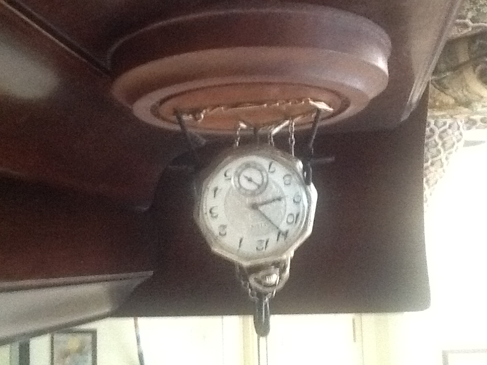 Elgin Pocketwatch given to JCL by his mom 1923.JPG