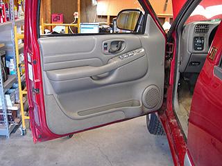 service manual remove door panel 2000 chevrolet blazer chevy s10 interior door panels www. Black Bedroom Furniture Sets. Home Design Ideas