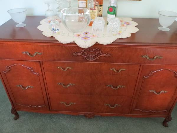 We Recently Acquired A Dining Set Rockford Republic Furniture