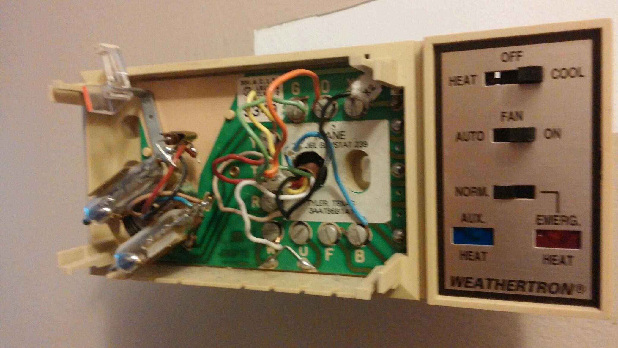 White Rodgers Thermostat Wiring 1f82 51 I Am Working On An Xe1000 Trane From 1993 Know Probably Past Its 0622171946a Resized