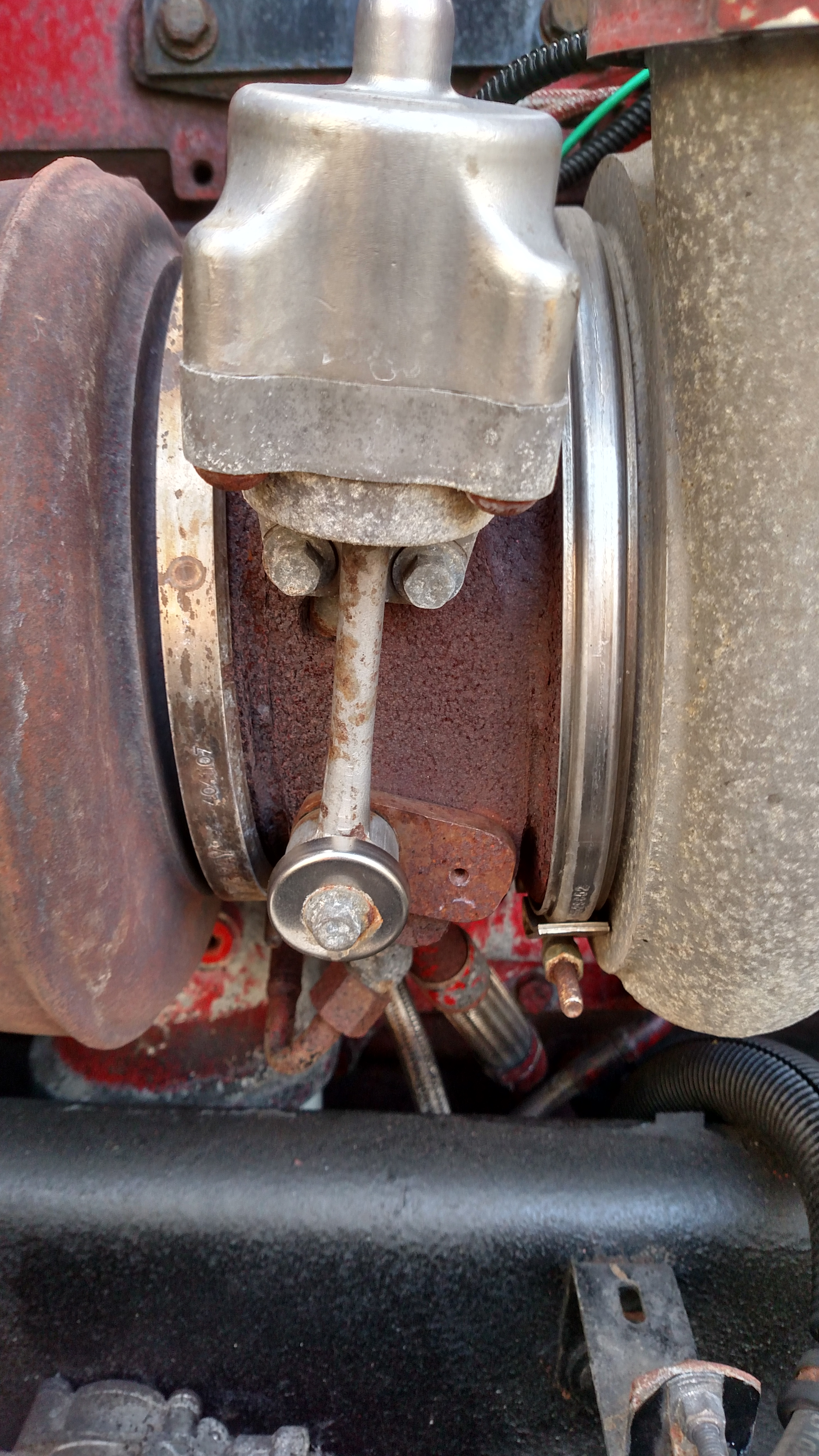 I have a pair of 2007 Kenworth T600, with Cummins isx  I noticed on