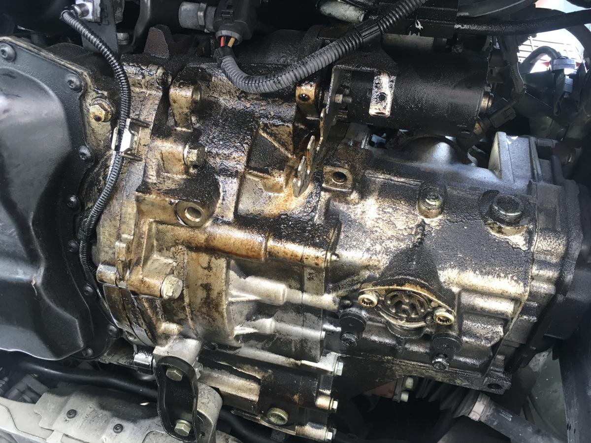 Oil leak on a 2006 VW Jetta 2 5L  Recent crank position