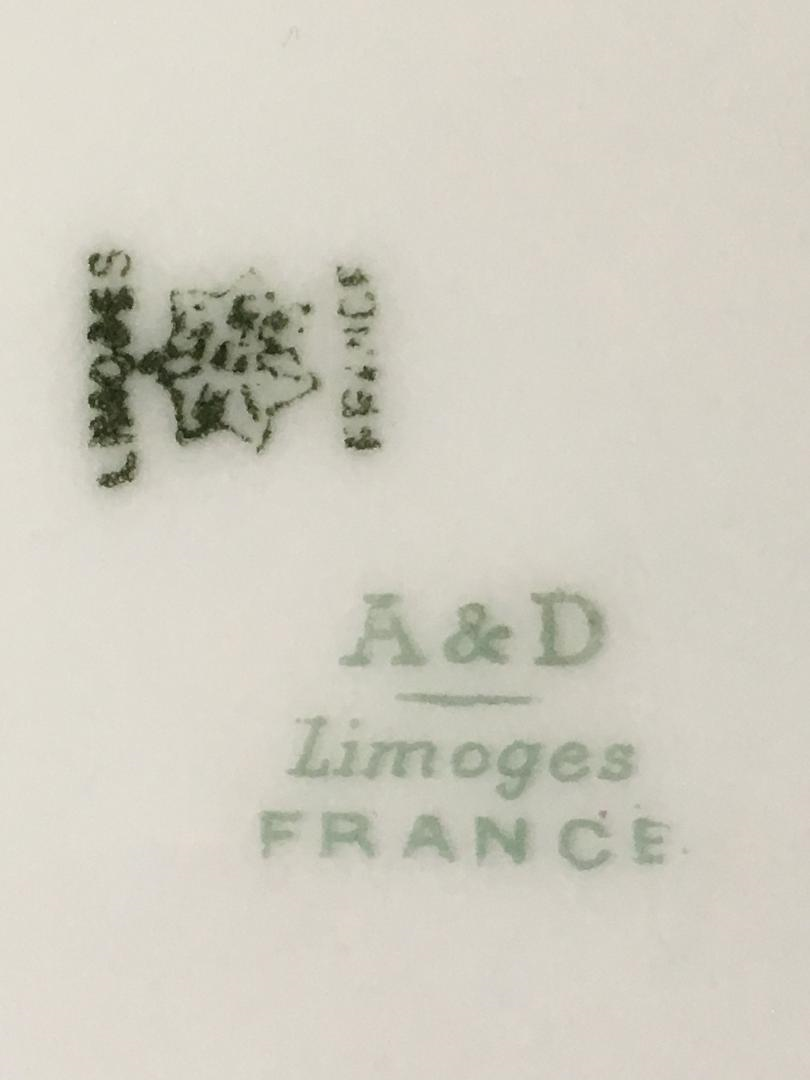 I inherited a plate marked: