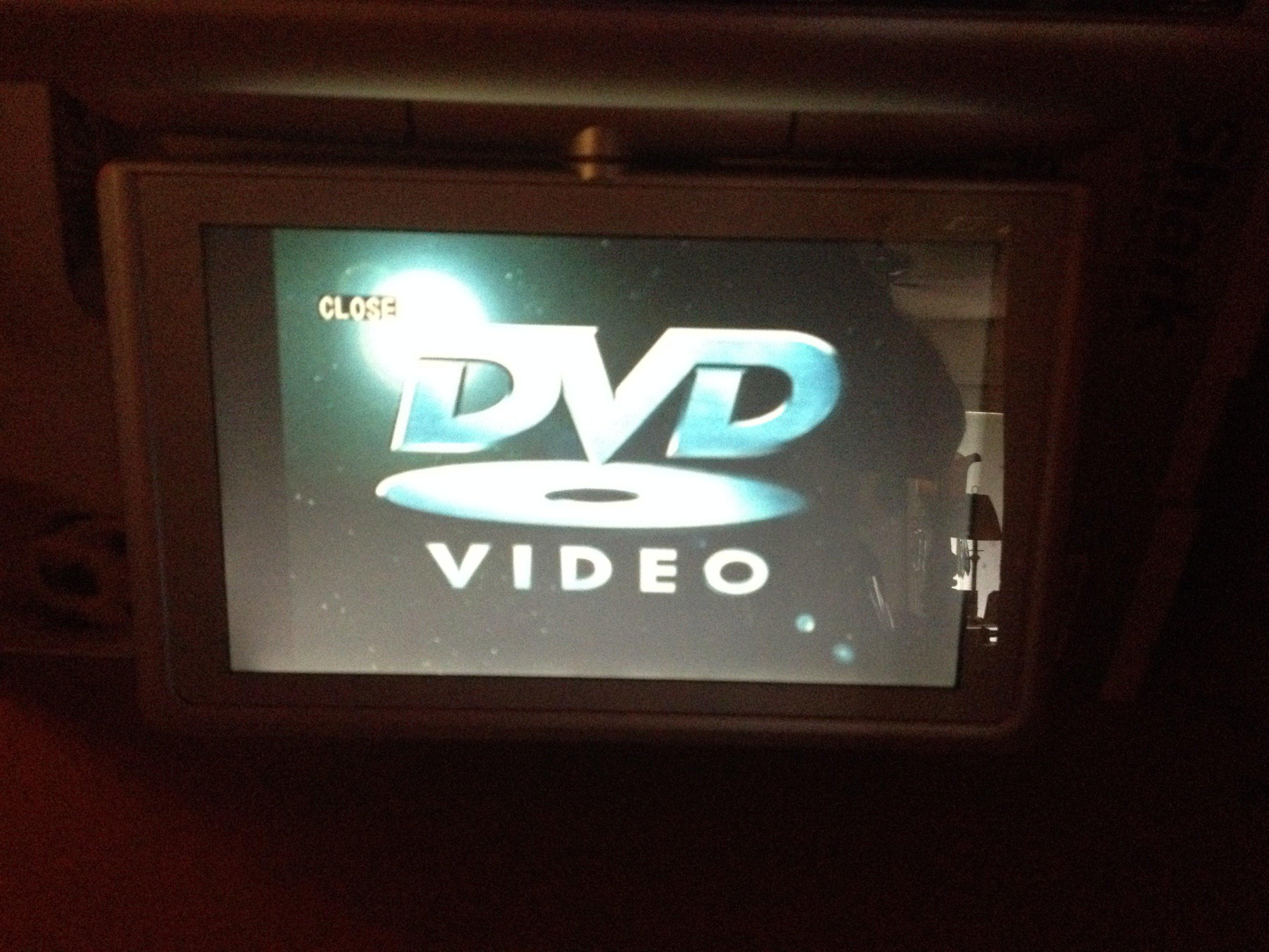 my trutech under cabinet tv dvd switches to bluescreen trutech make