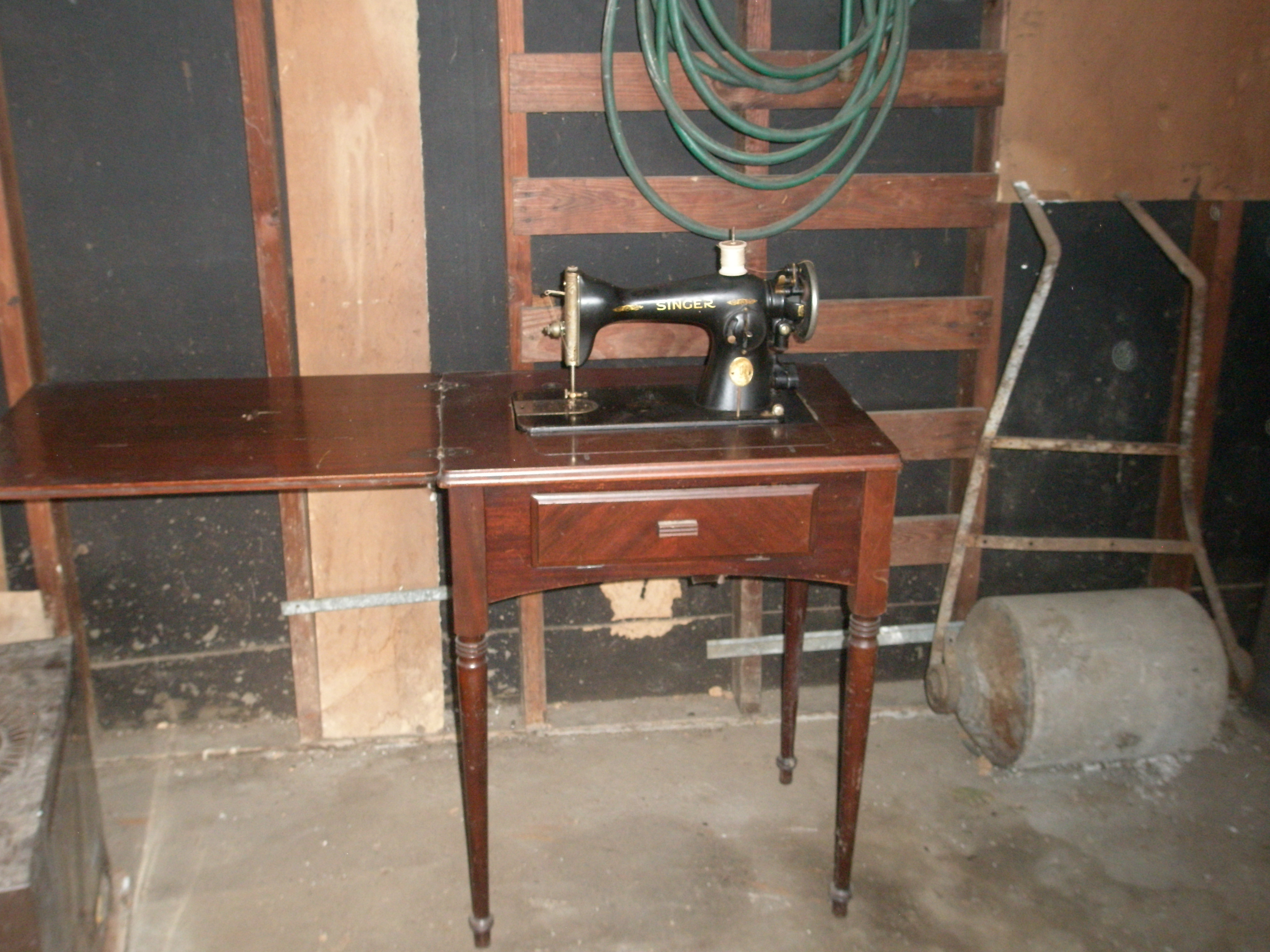 I Have Found An Old Singer Sewing Machine In My Motheru0027s Garage With The  Serial #AD778948. I Found On Line That That Model Was Manufactured In 1934.