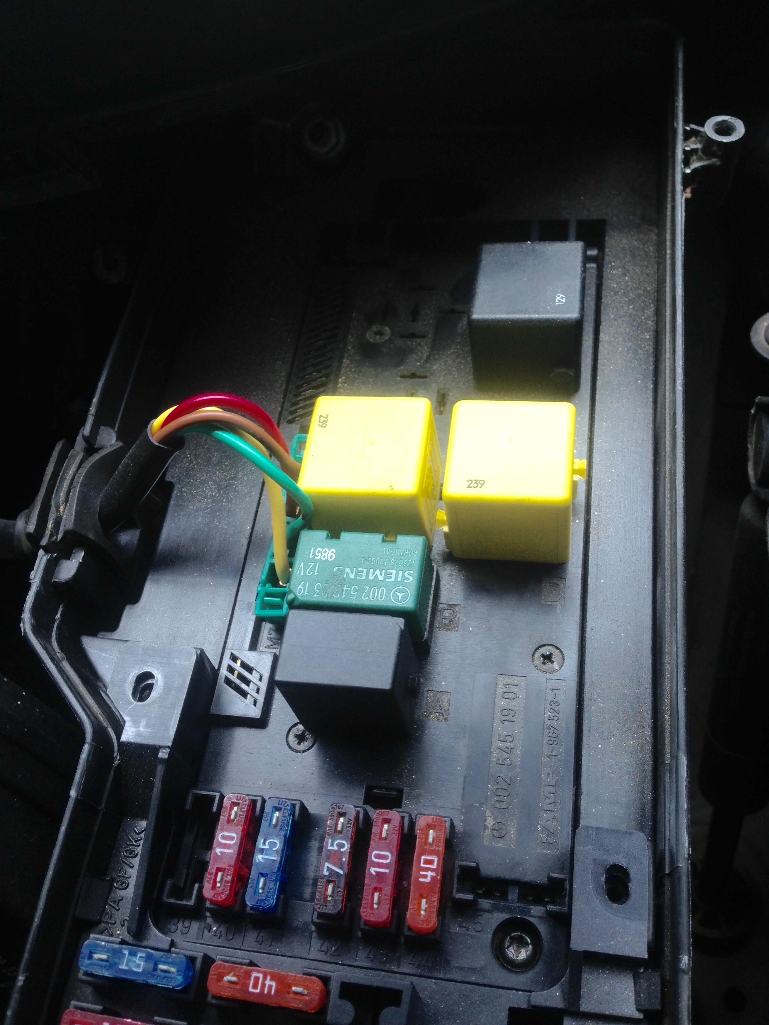 1999 mercedes c230 kompressor fuse box wiring library. Black Bedroom Furniture Sets. Home Design Ideas