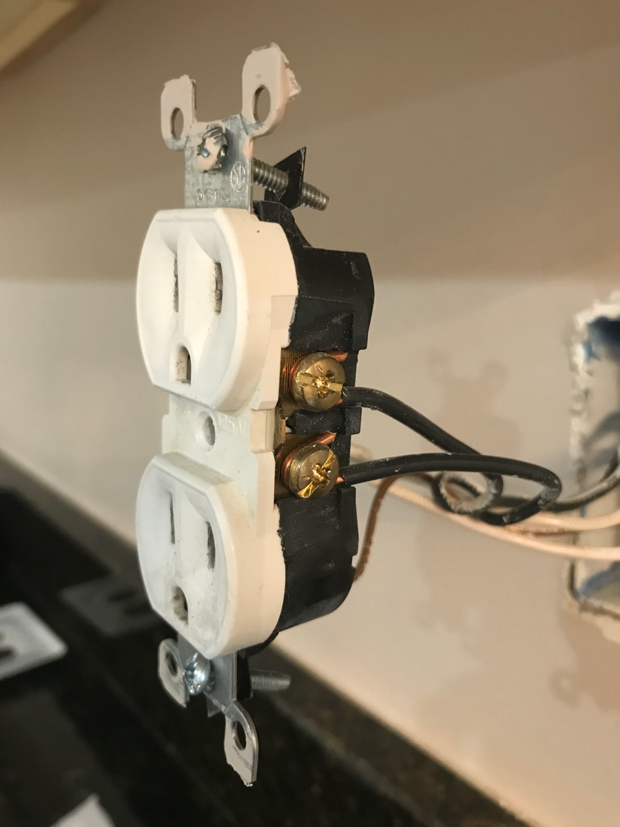 Trying To Install A New Usb Outlet In Section Of My Kitchen That Wiring Image0
