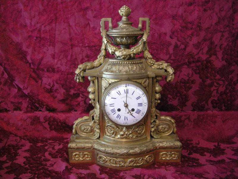 Tiffany clock1.jpg