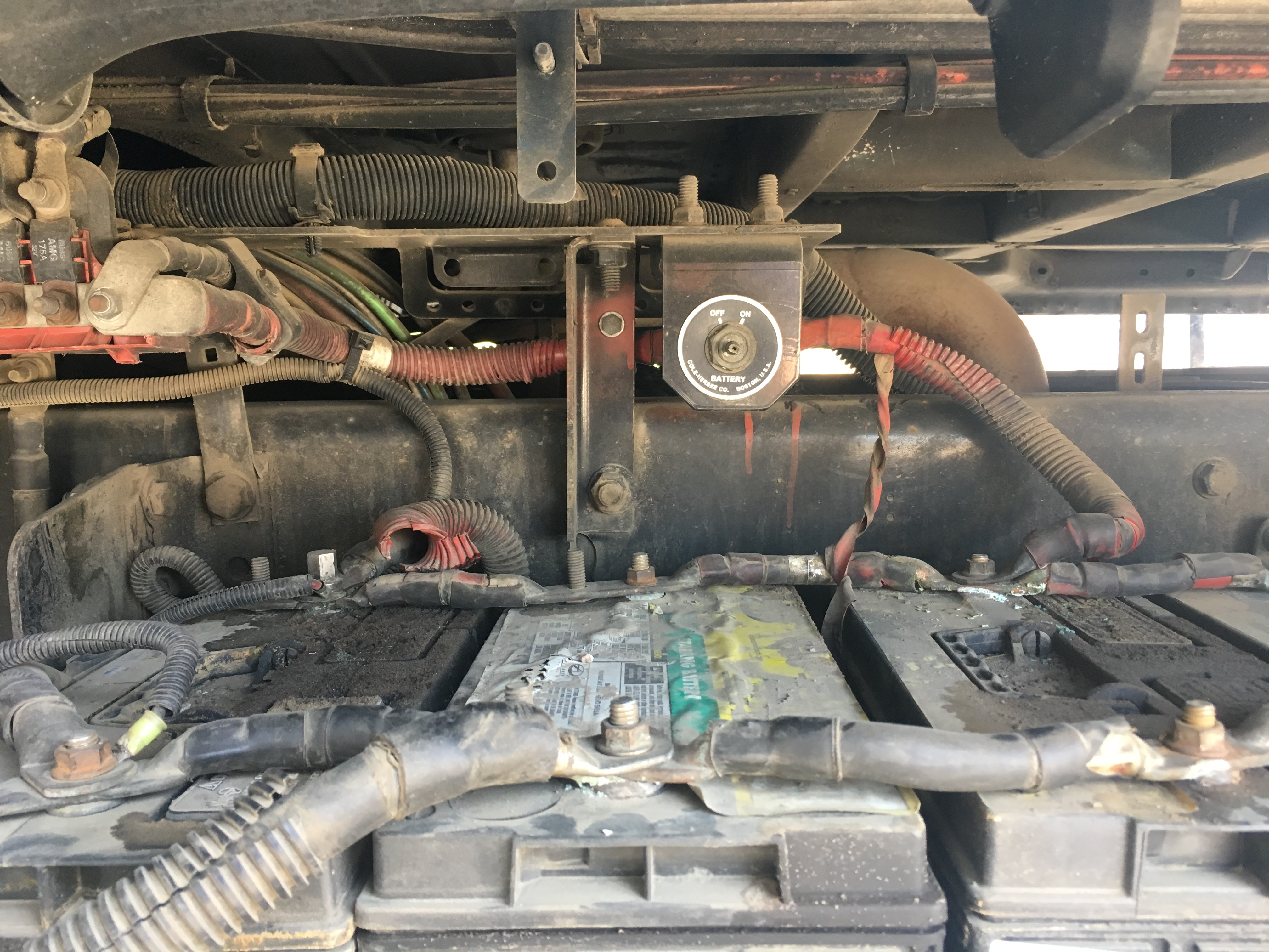 2008 freightliner cascadia Shutting off after 4 min because