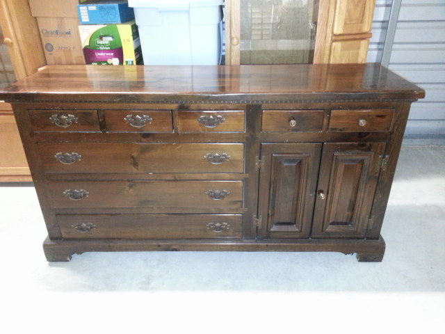 Wonderful We Would Like An Estimate On A Solid Pine Bedroom Dresser With Matching  Mirror. Itu0027s In Very Good Condition. This Dresser Was Made By The Vermont  Furniture ...