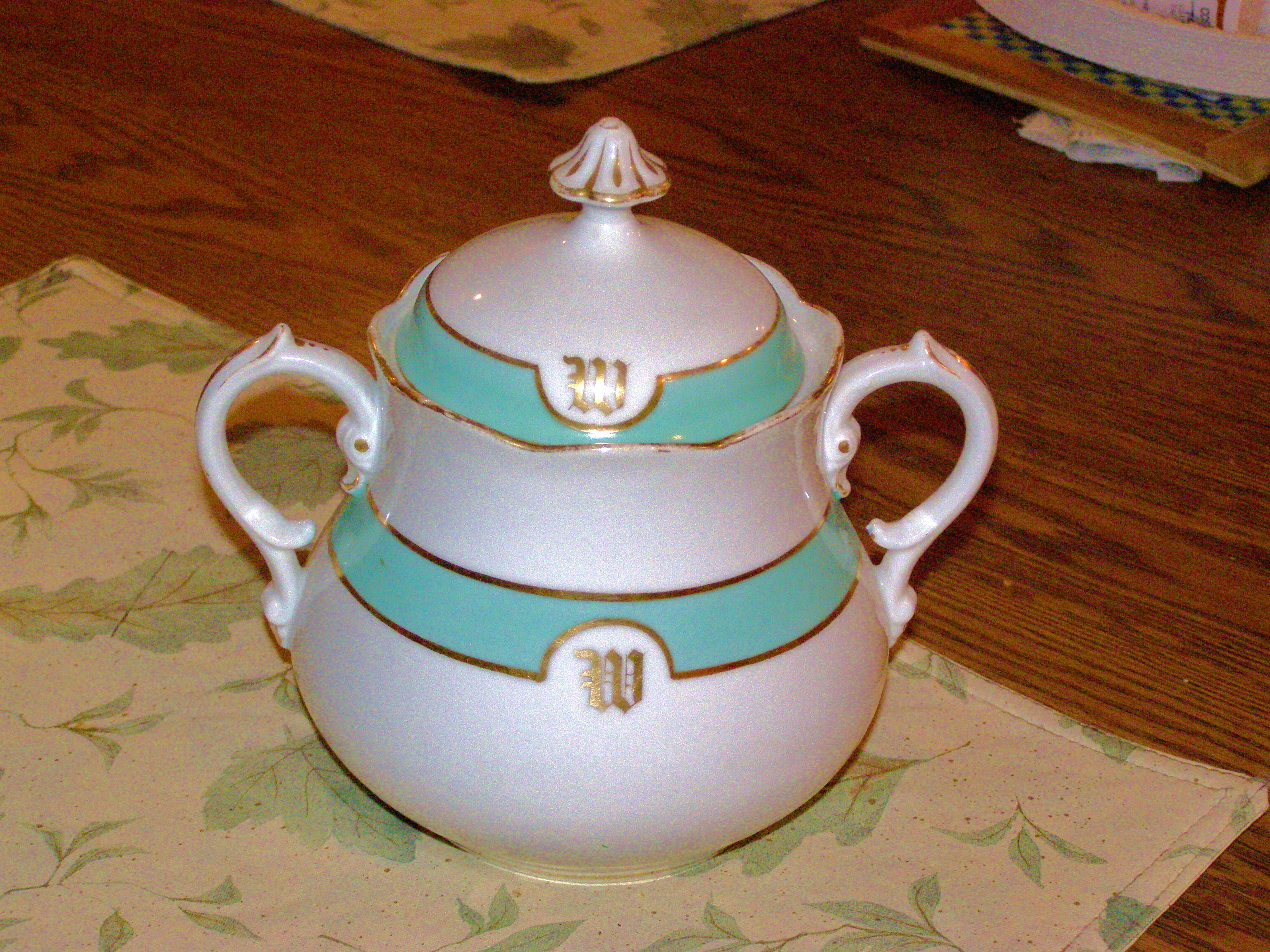 Tea set sugar bowl.JPG