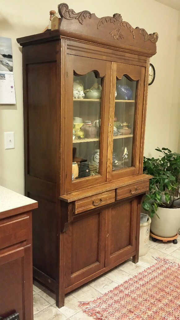 Antique China Hutch >> I Have An 1800s Antique China Hutch American Oak With Glass Doors
