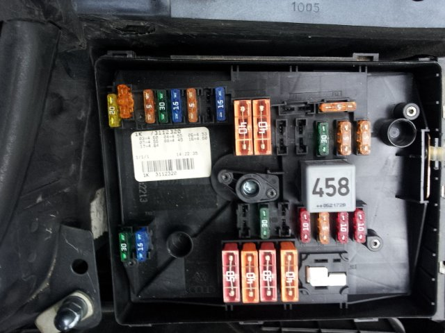 I have 2006 VW    Jetta       TDI     I was changing a fuse and