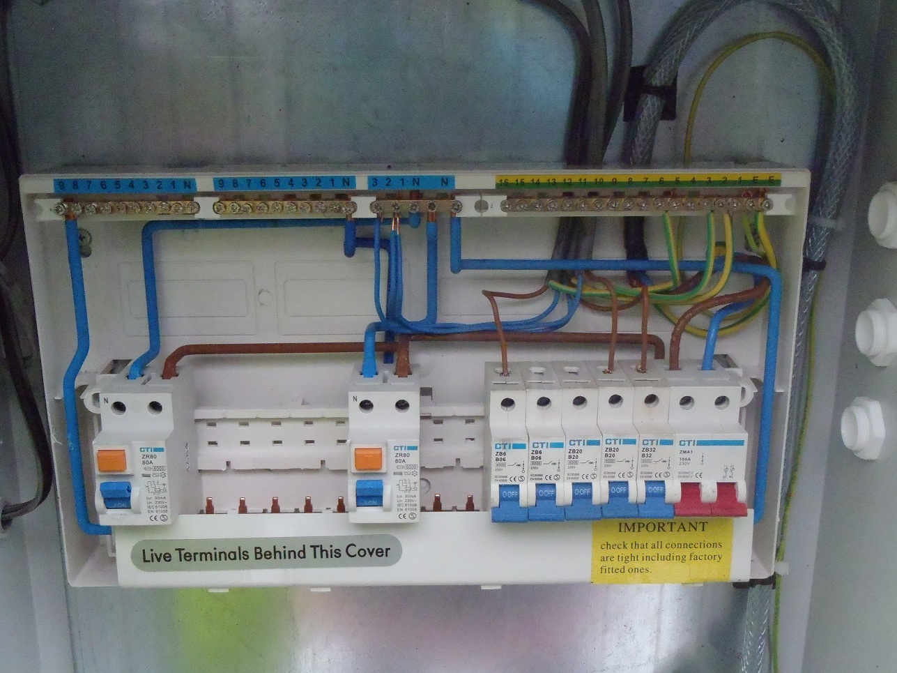 Delighted split load consumer unit wiring diagram photos the best wonderful wiring diagram for garage consumer unit photos cheapraybanclubmaster Images