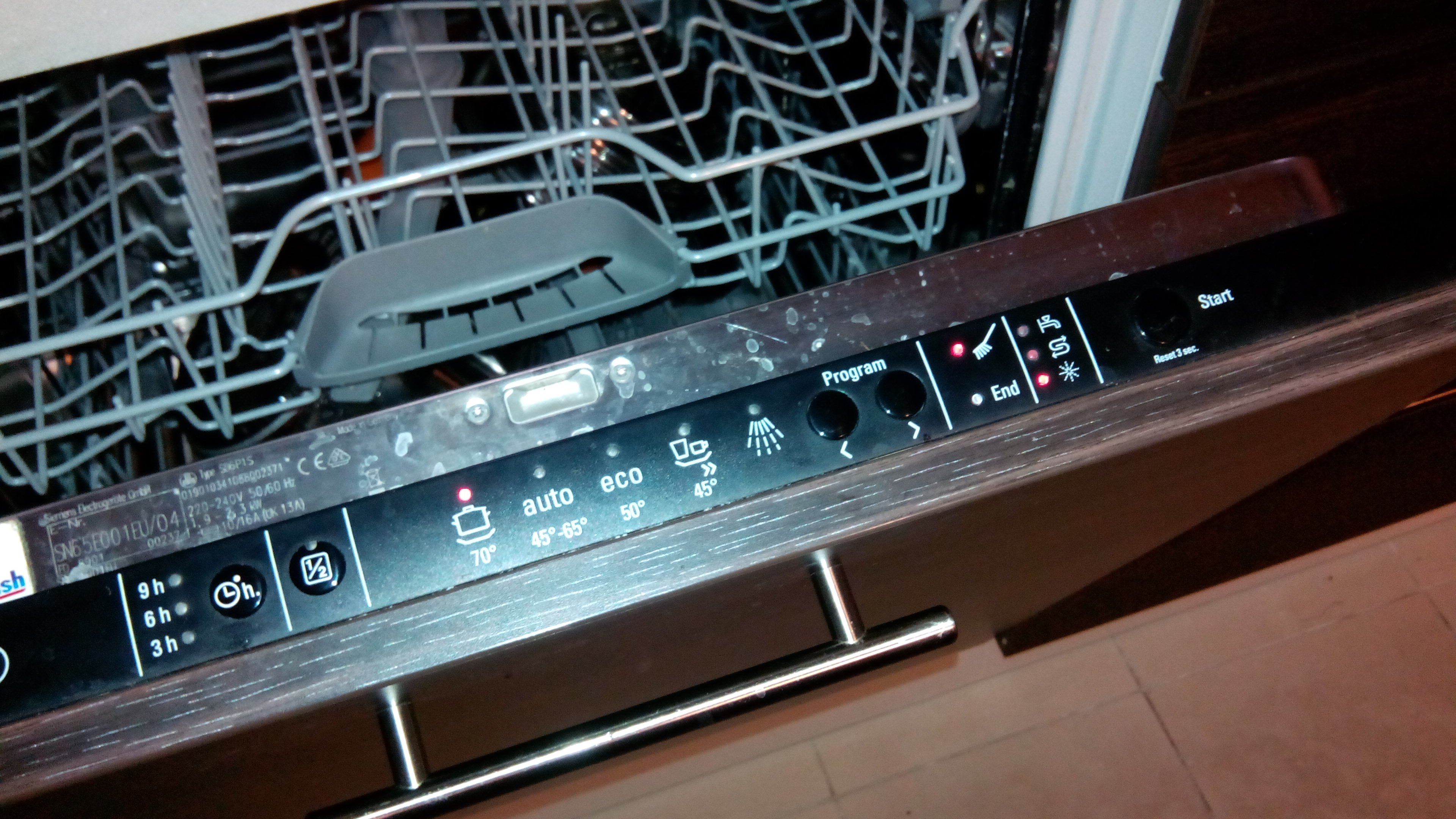 siemens dishwasher sd6p1s the brush light is on the. Black Bedroom Furniture Sets. Home Design Ideas