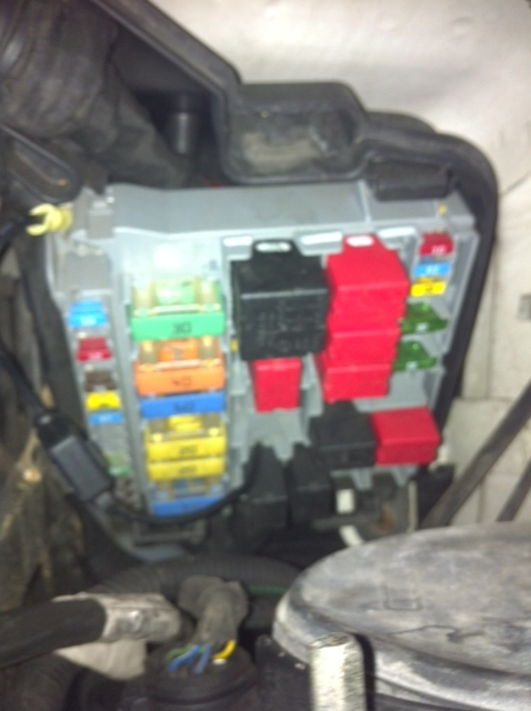 2012 12 06_165800_peugeot_bipper_van_58_plate_diesel_ _fuse_box_relay i have a peugeot bipper van 58 plate diesel my air con fan was citroen relay fuse box locations at fashall.co