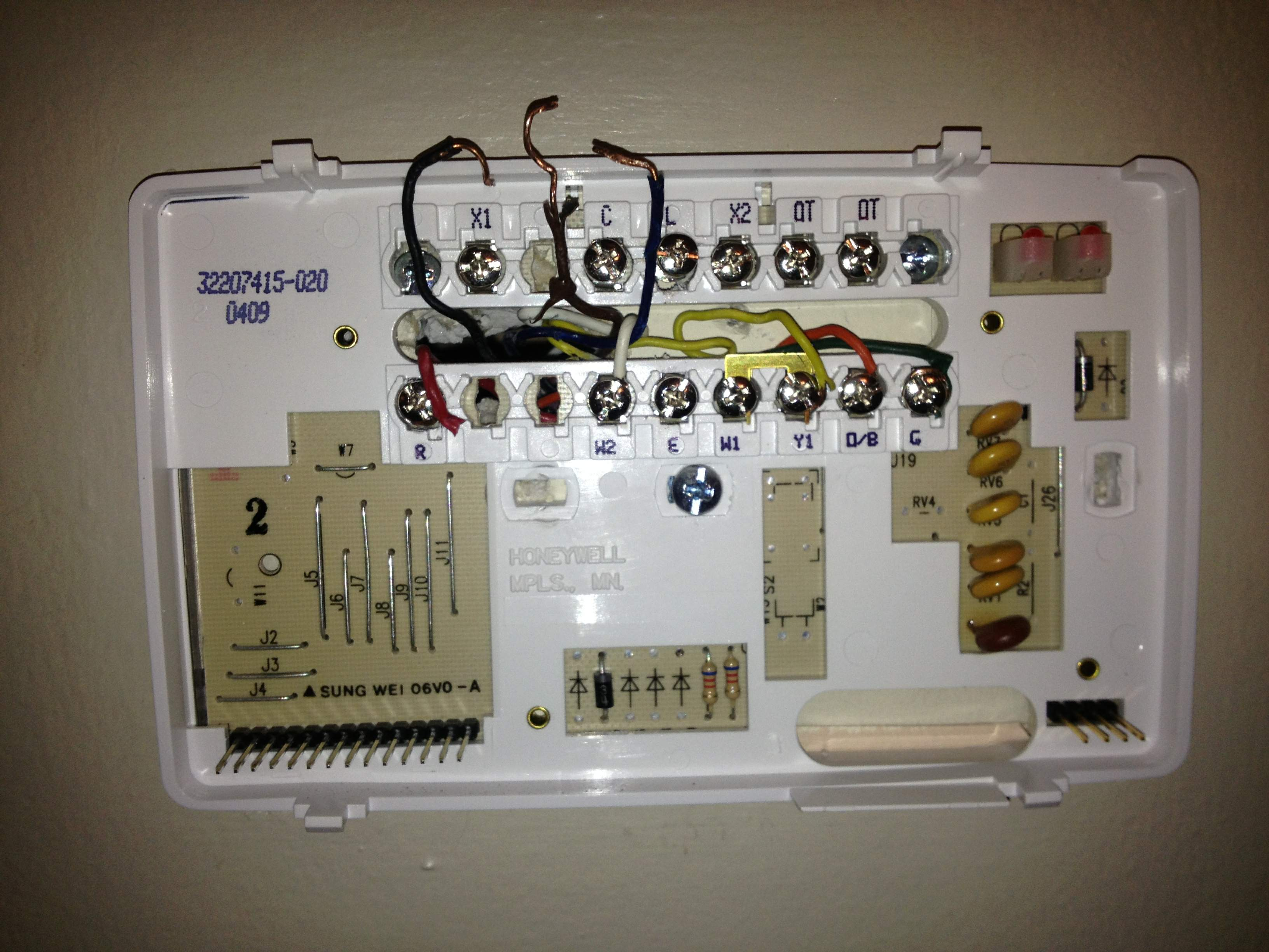 I Am Trying To Wire A Honeywell T8611g2028 Thermostat To A