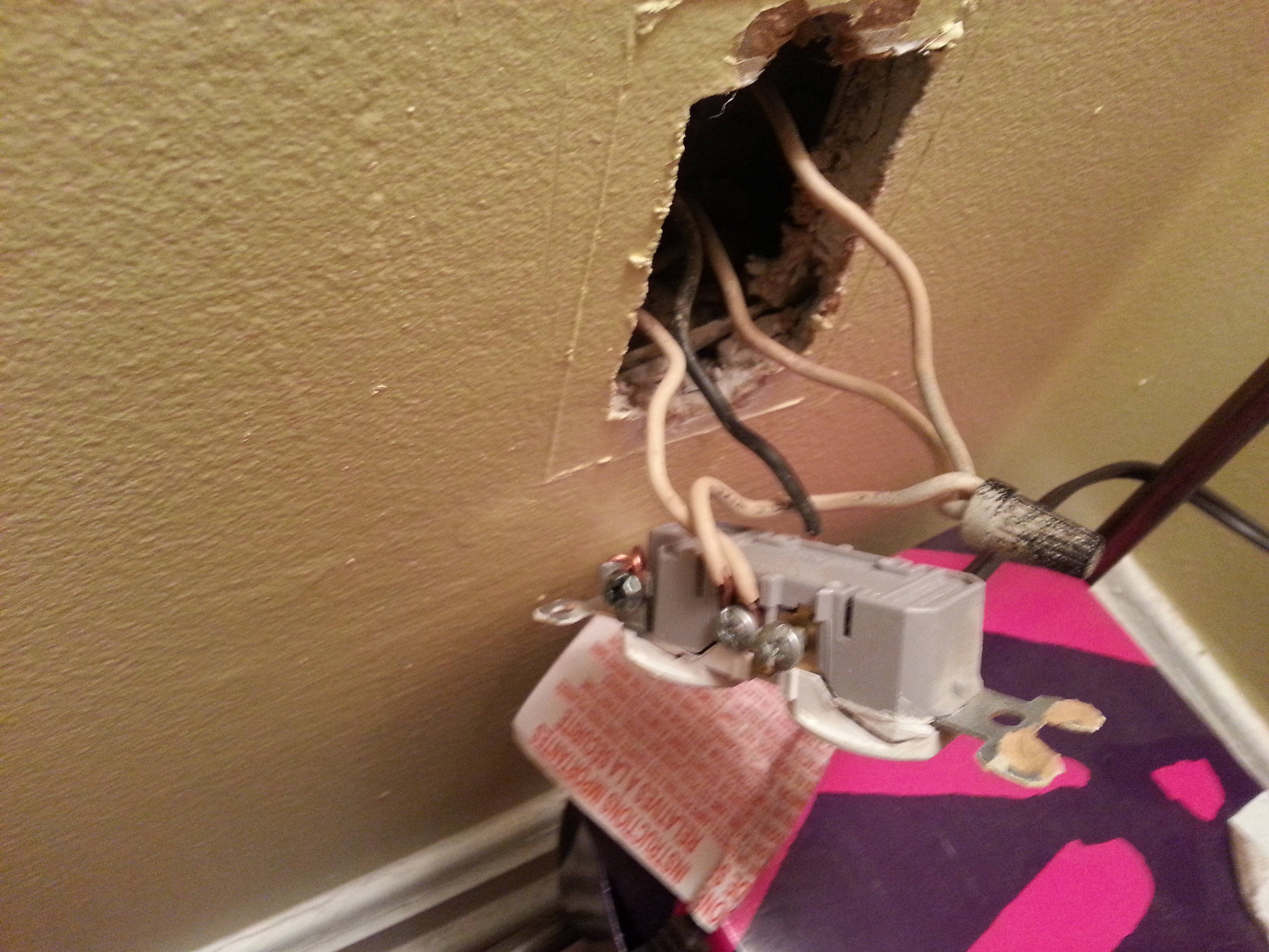 I Am Adding A Ceiling Fan Where There Was No Existing Wiring Single Pole Switch On An Outlet