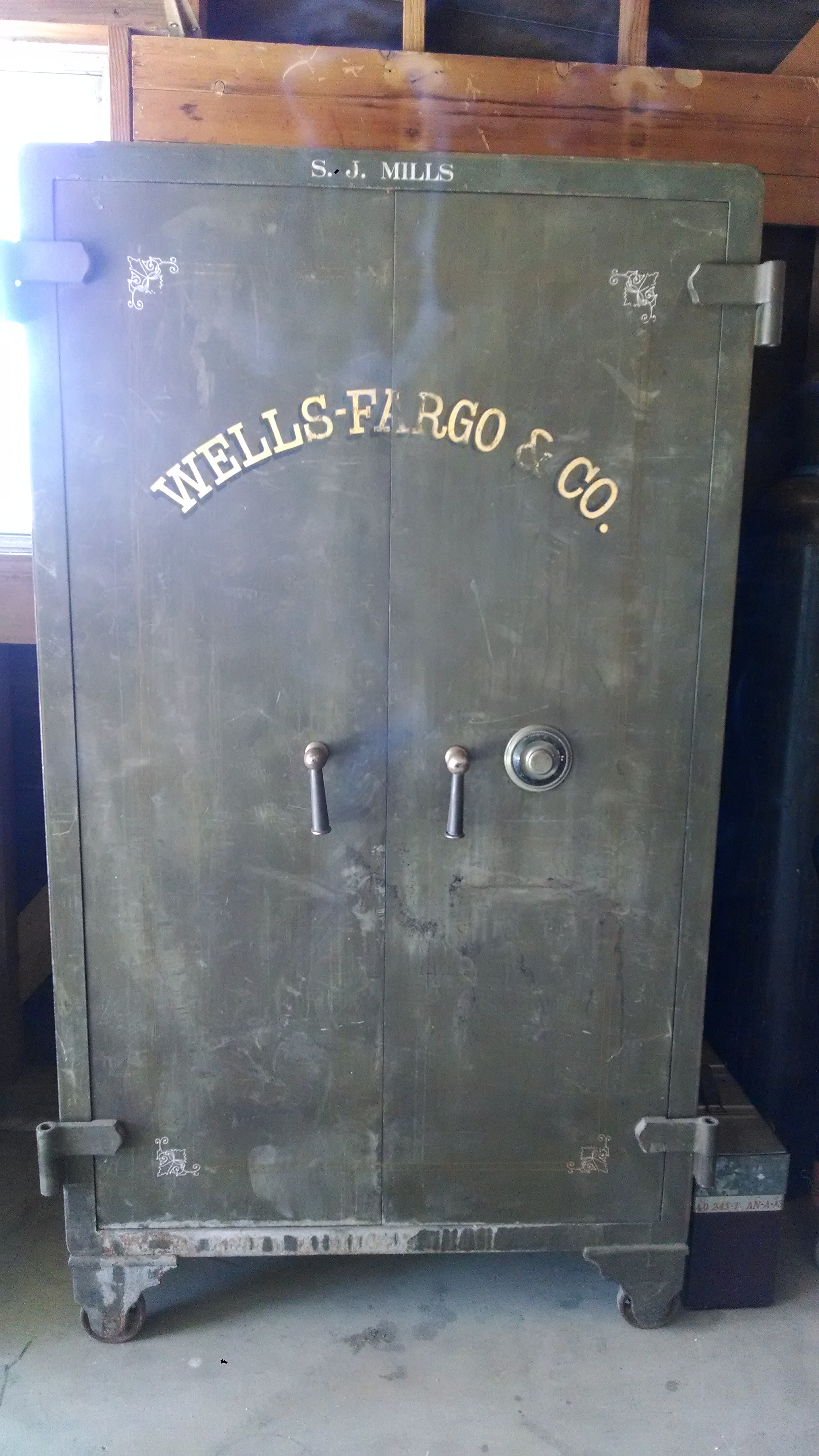 I Have An Old Wells Fargo Bank Safe About 5 8 Quot Tall 3 1