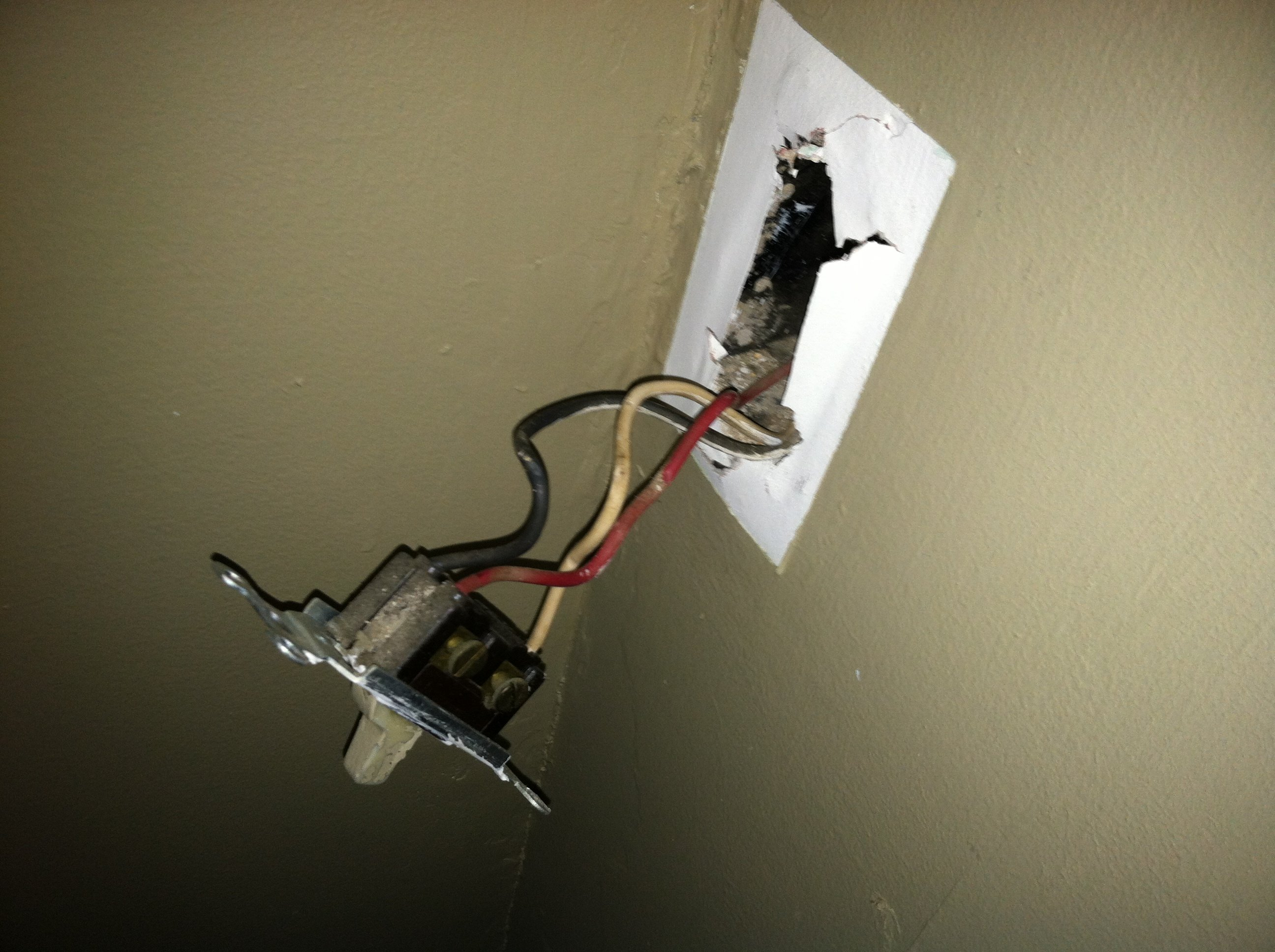 Im wiring a 3 way switch in my older house Previously the light