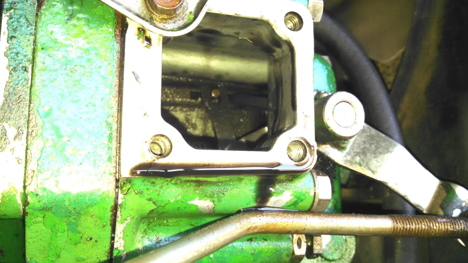 750 Deere 750 compact tractor, 3 cyl Yanmar diesel engine