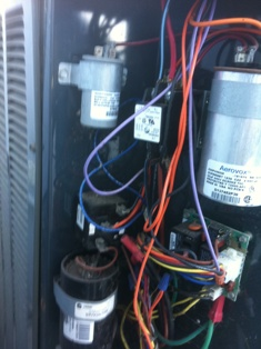 I PUT A NEW FAN MOTOR IN MY TRANE XR12 HEAT PUMP  I HAVE IT