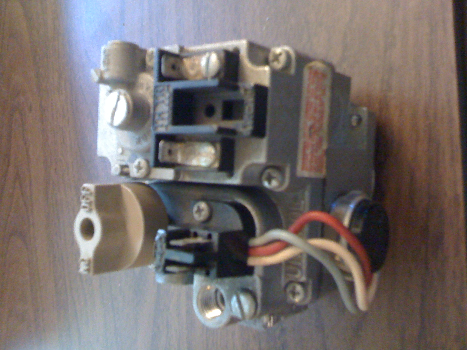 Old 1975 House Gas Furnace Valve Robertshaw Unitrol 7000 Bker Heat Pump Thermostat Wiring Diagram S7c