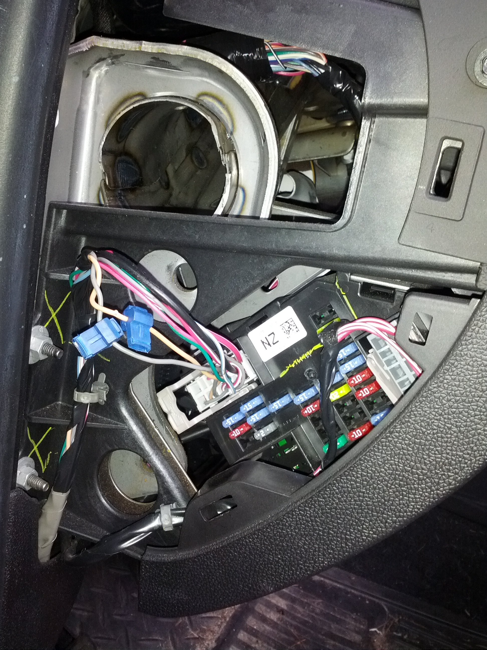 Renault Megane Steering Lock Wiring Diagram : I m looking for a wiring diagram the fuse box on