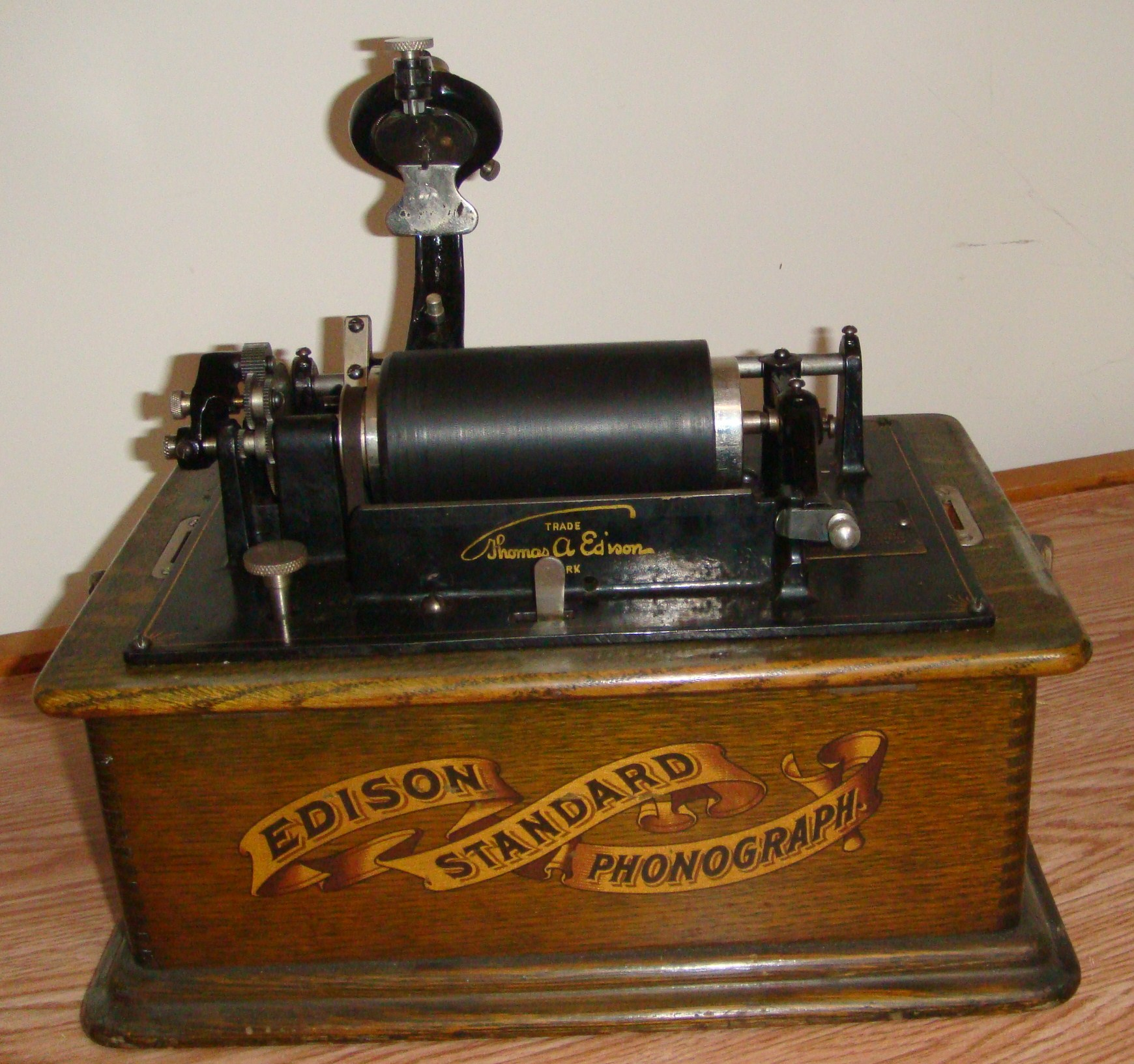 HiI Have A Thomas Edison Phonograph And Approximately 20
