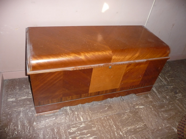 antique cedar chest value Trying to determine if our Lane Cedar Chest is an antique or not  antique cedar chest value