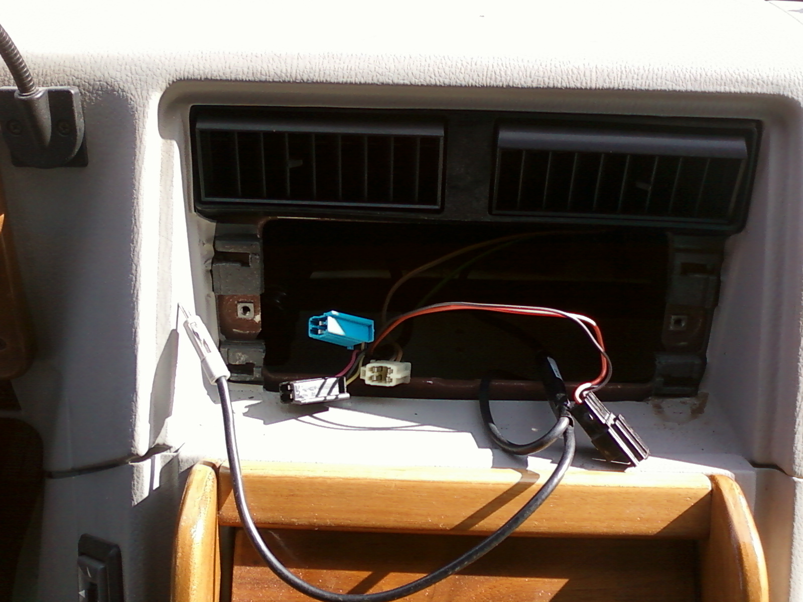 For A 1992 Gmc Vandura With Delco 2 Din Model 16131335 And Pioneer Avic X910bt Wiring Diagram 2014 09 30 021037 Dash