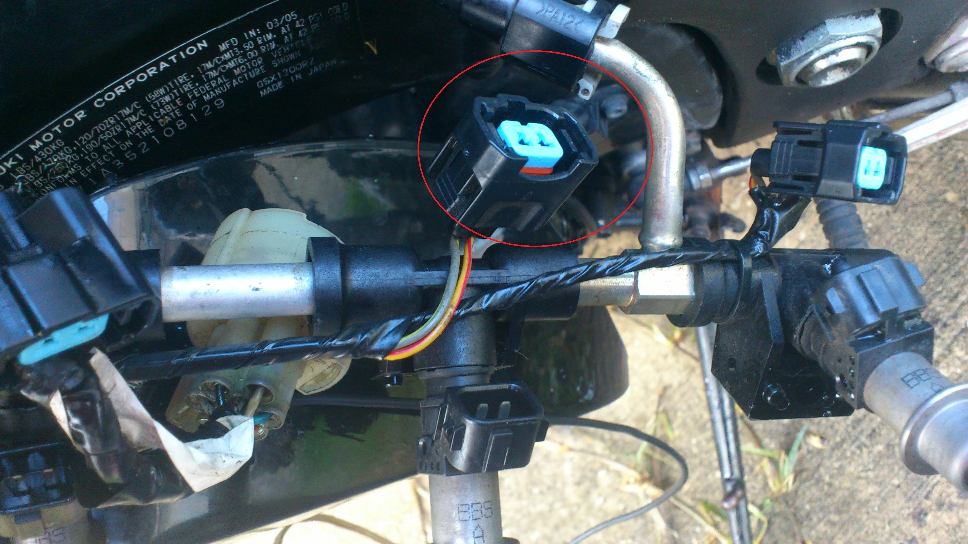 2012 01 16_140634_2 my fuel injectors are not spraying any fuel causing my bike to 2006 hayabusa fuse box location at soozxer.org