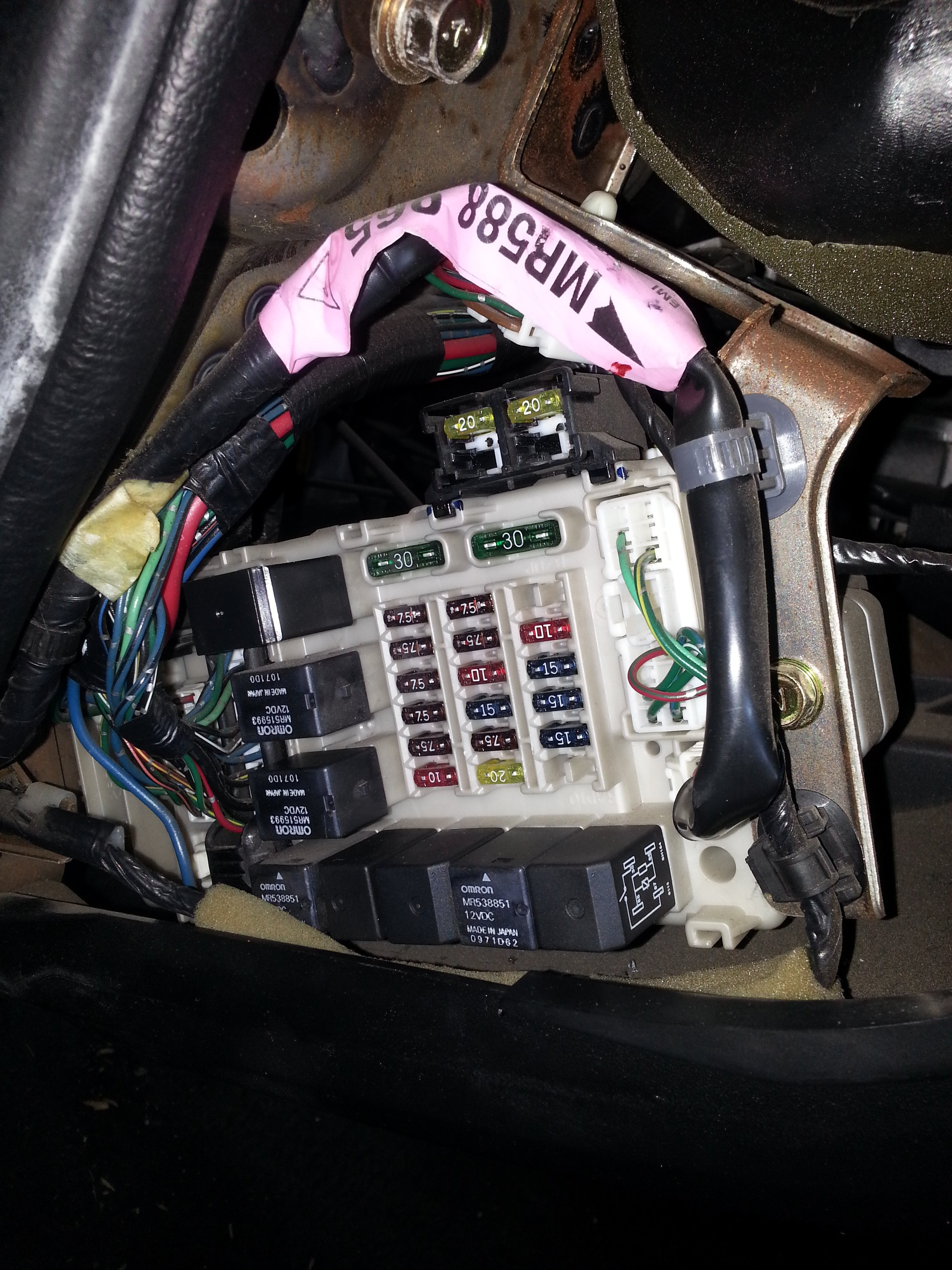 I Need A Fuse And Relay Diagram For A 2002 Dodge Stratus 3 0 V6 Rt 2001 Dodge  Stratus Gas Mileage 2001 Dodge Stratus 3.0 Engine Diagram