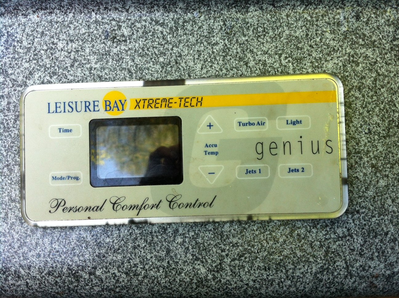 Getting FLO code on (old) Leisure Bay Genius spa  The jets work and