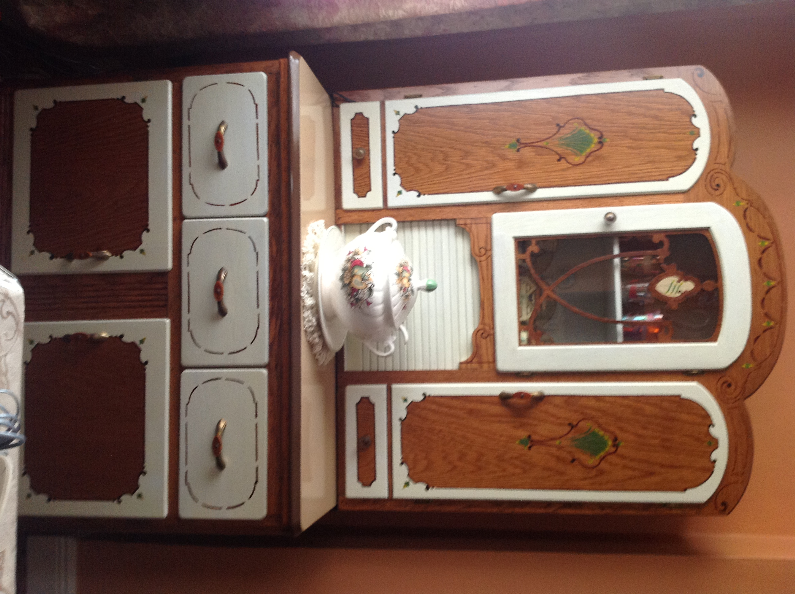 Some 15 Years Ago My Nana Left Me As Promised A Baker S Hutch Manufactured By The Keystone Cabinet Co Littlestown
