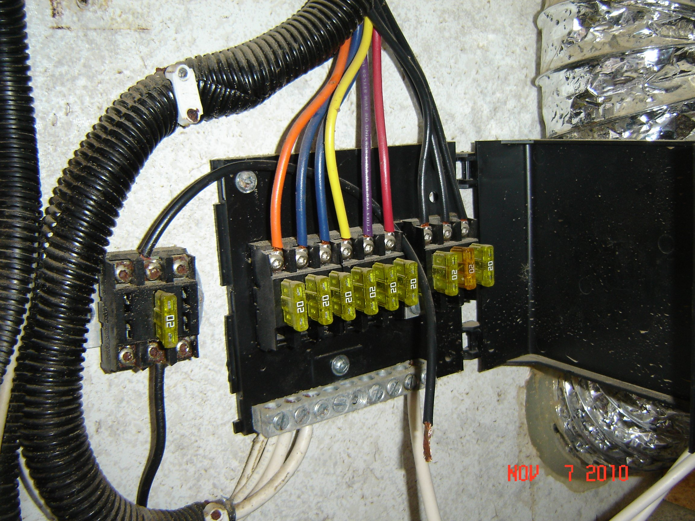 I Have A 2006 Ww Fs3000 And There Are Two 8 Awg Wires