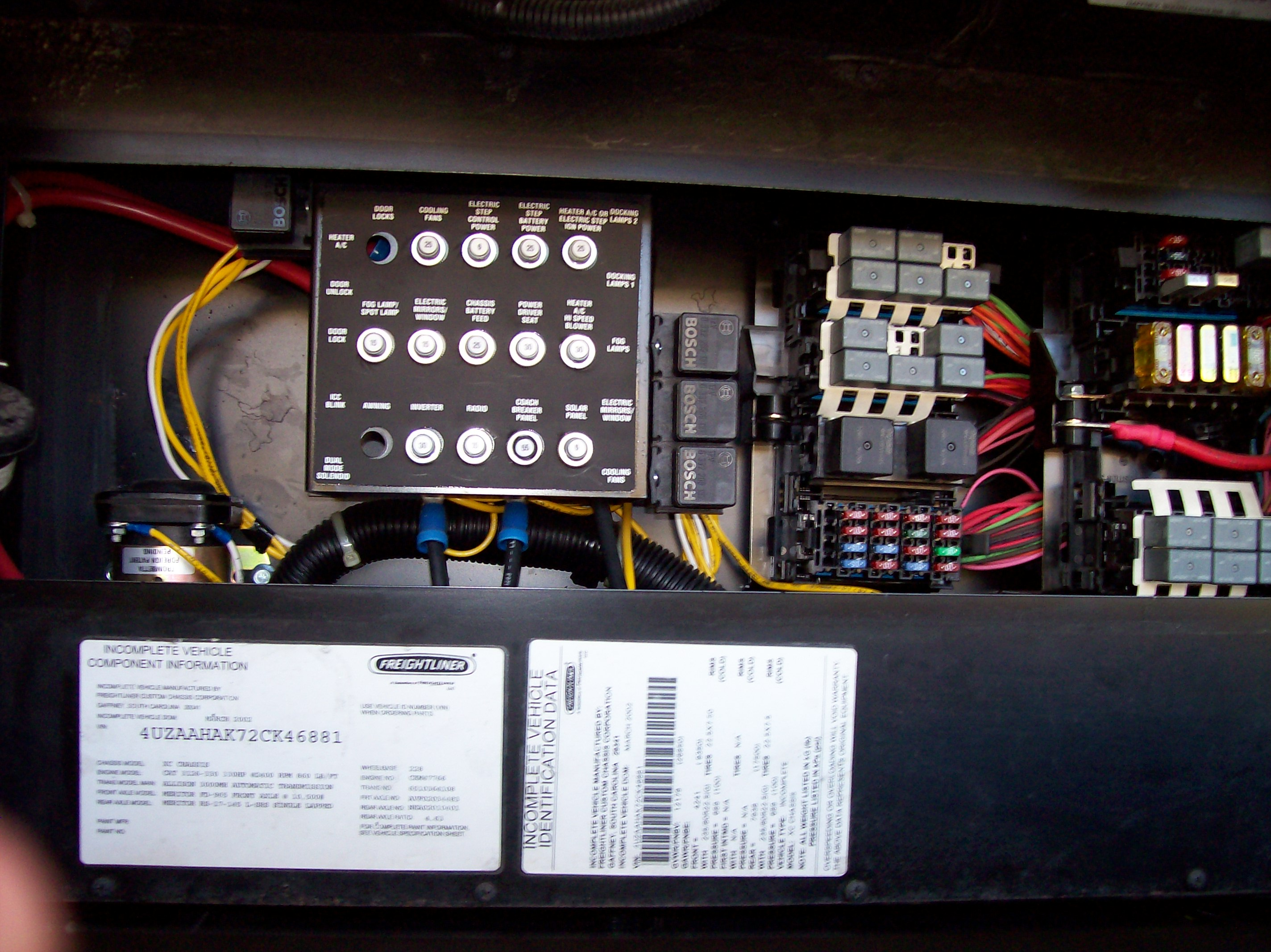 my 2002 itasca horizon 36 ld turn signals not working i checked the rh justanswer com Breaker Box Fuse Box Diagram