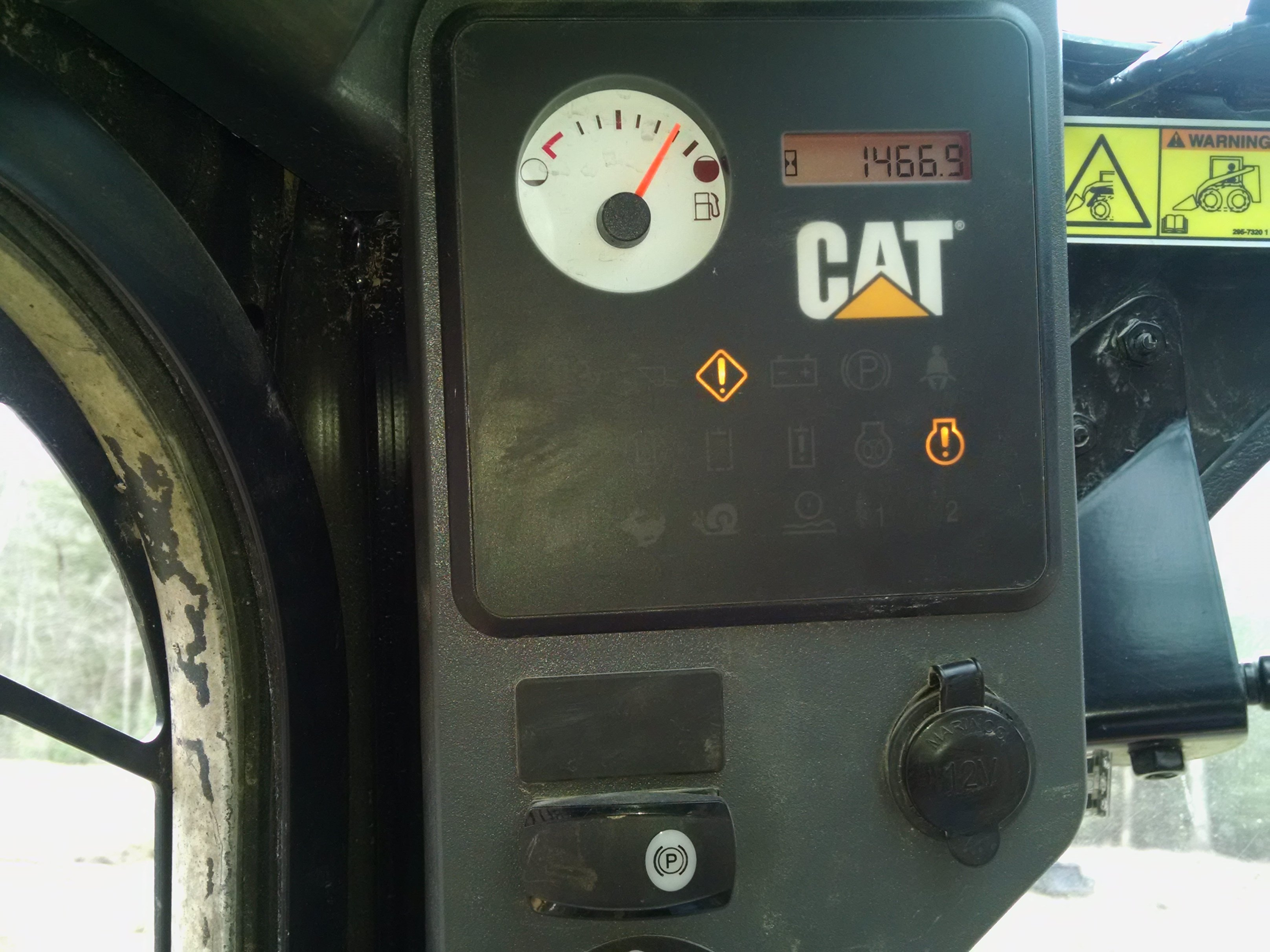 I have a cat 299D XHP the operator warning light flashes and