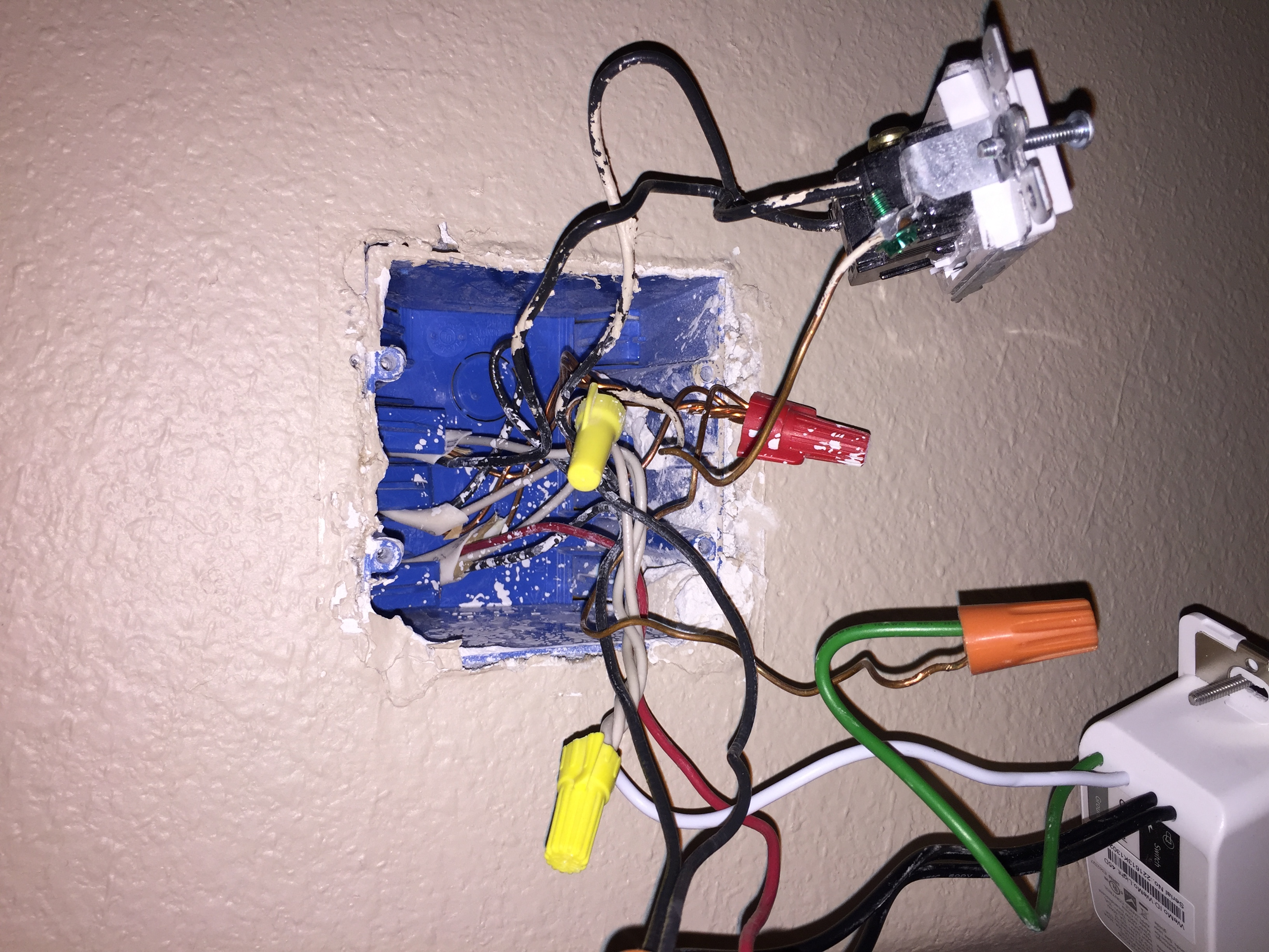 I\'m trying to connect a wifi light switch (wemo). The wemo has a ...