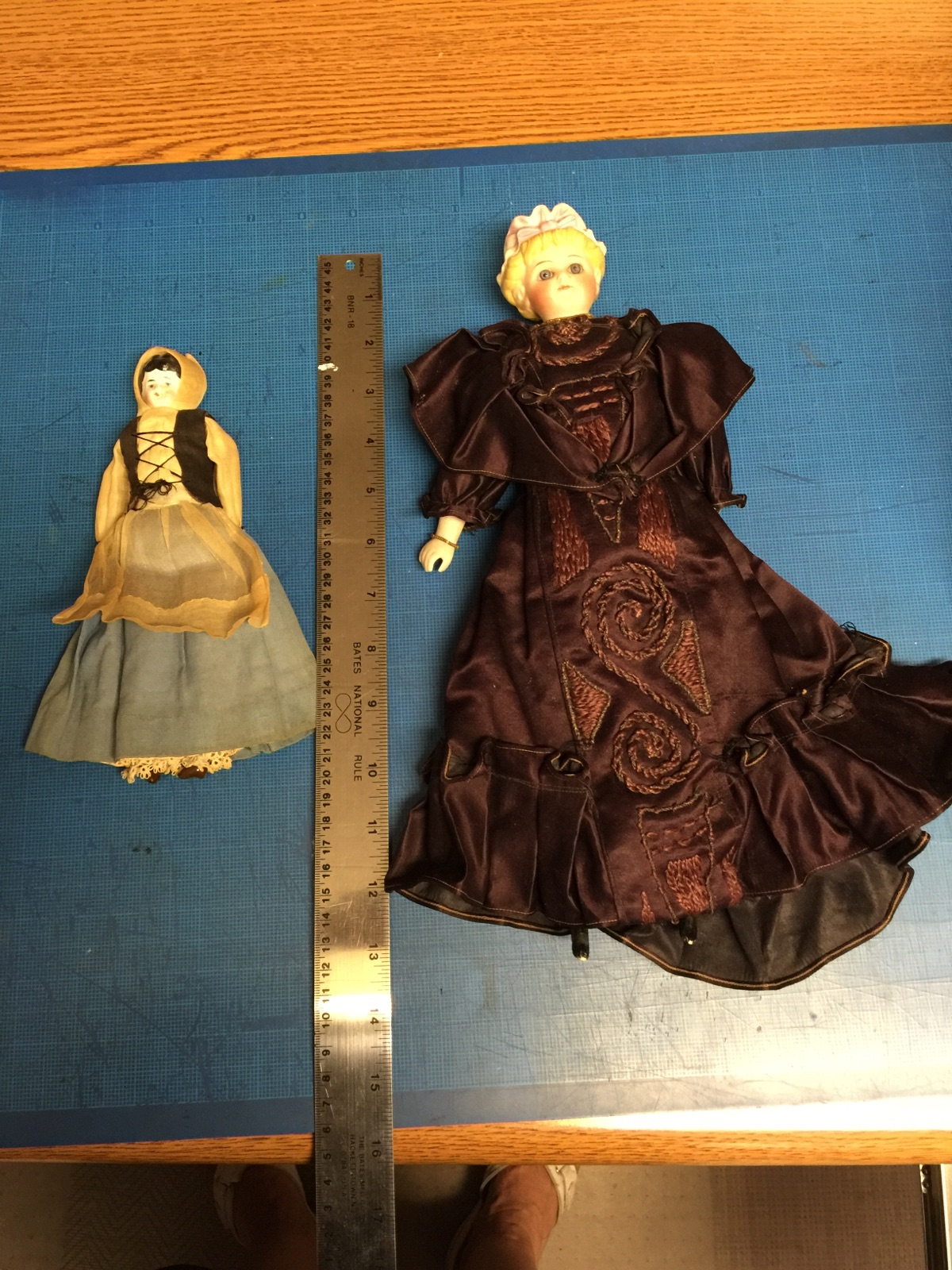 IMG_0977antique_dolls.jpg