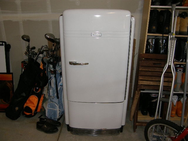I Have A 1940s Hotpoint Refrigerator