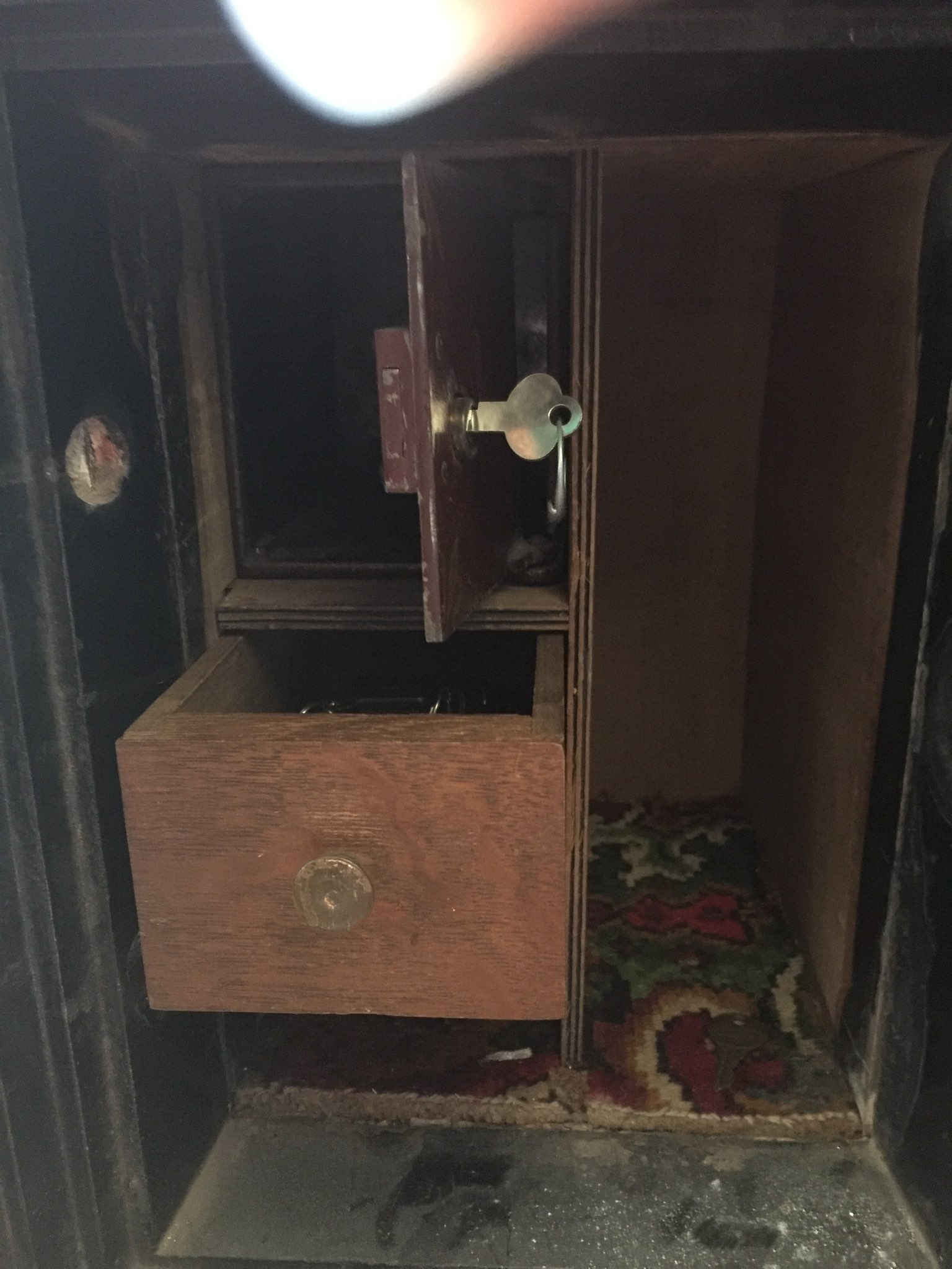 I have a Mosler safe I was trying to get an approximate value for