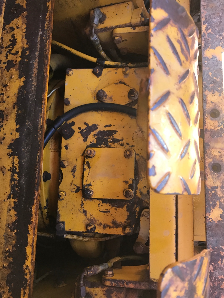 I have Cat 931 with steering issues  I don't think it is