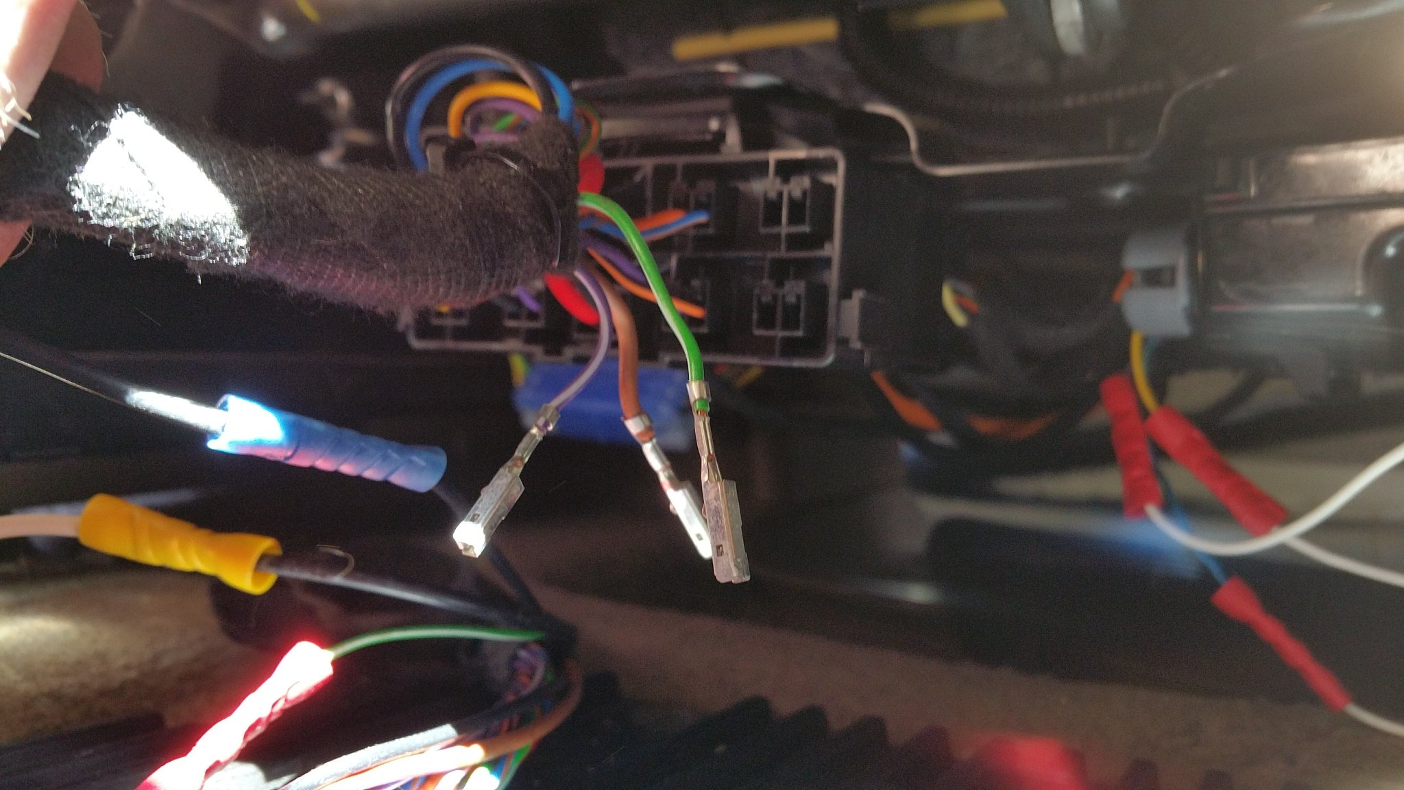 2012 Volvo XC90 loose wires.jpg