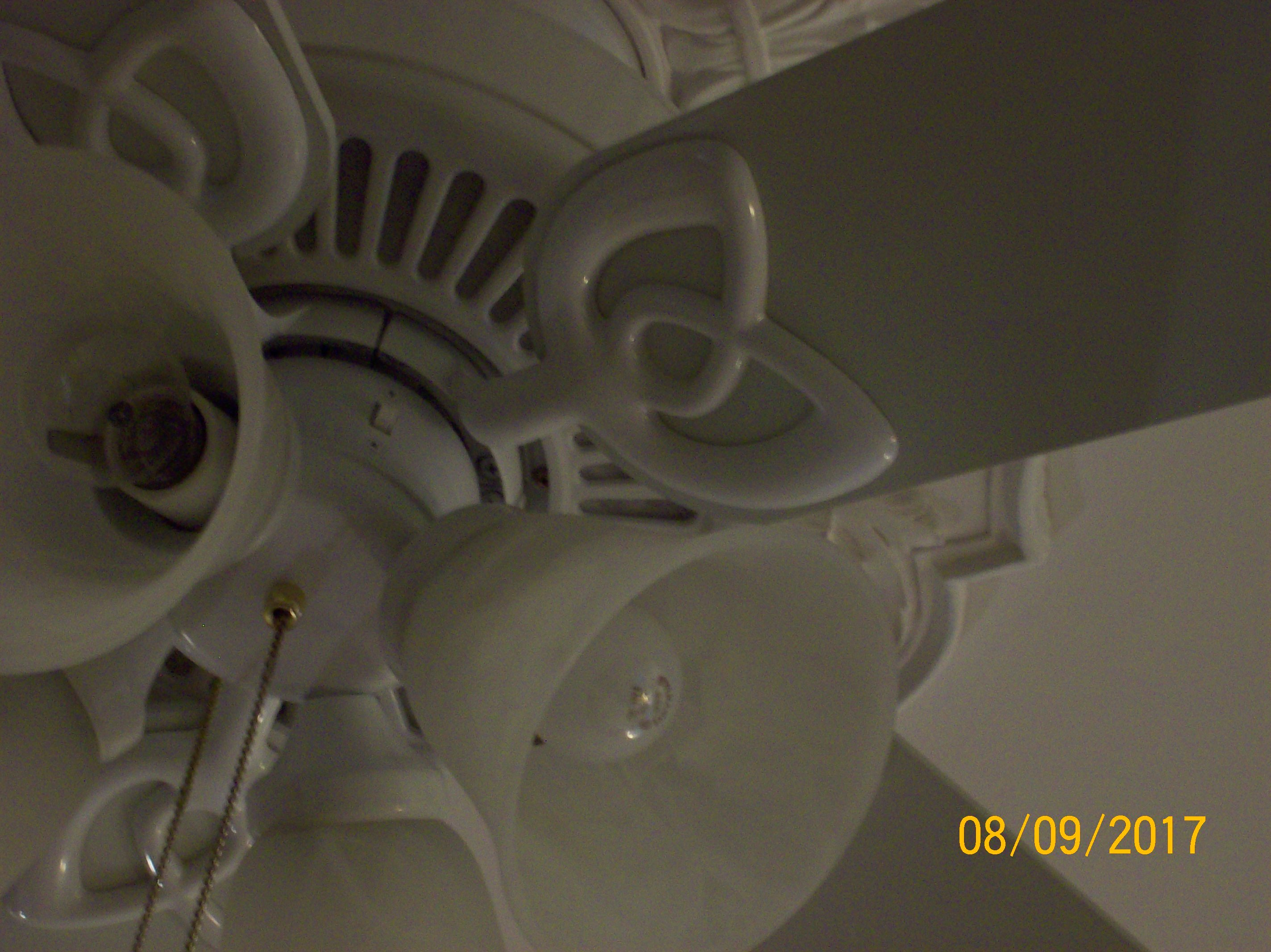 Need A Blade Arm For Hampton Bay Ceiling Fan Tulip Style With Hidden Screws 52 Fan Where Can I Find One Just