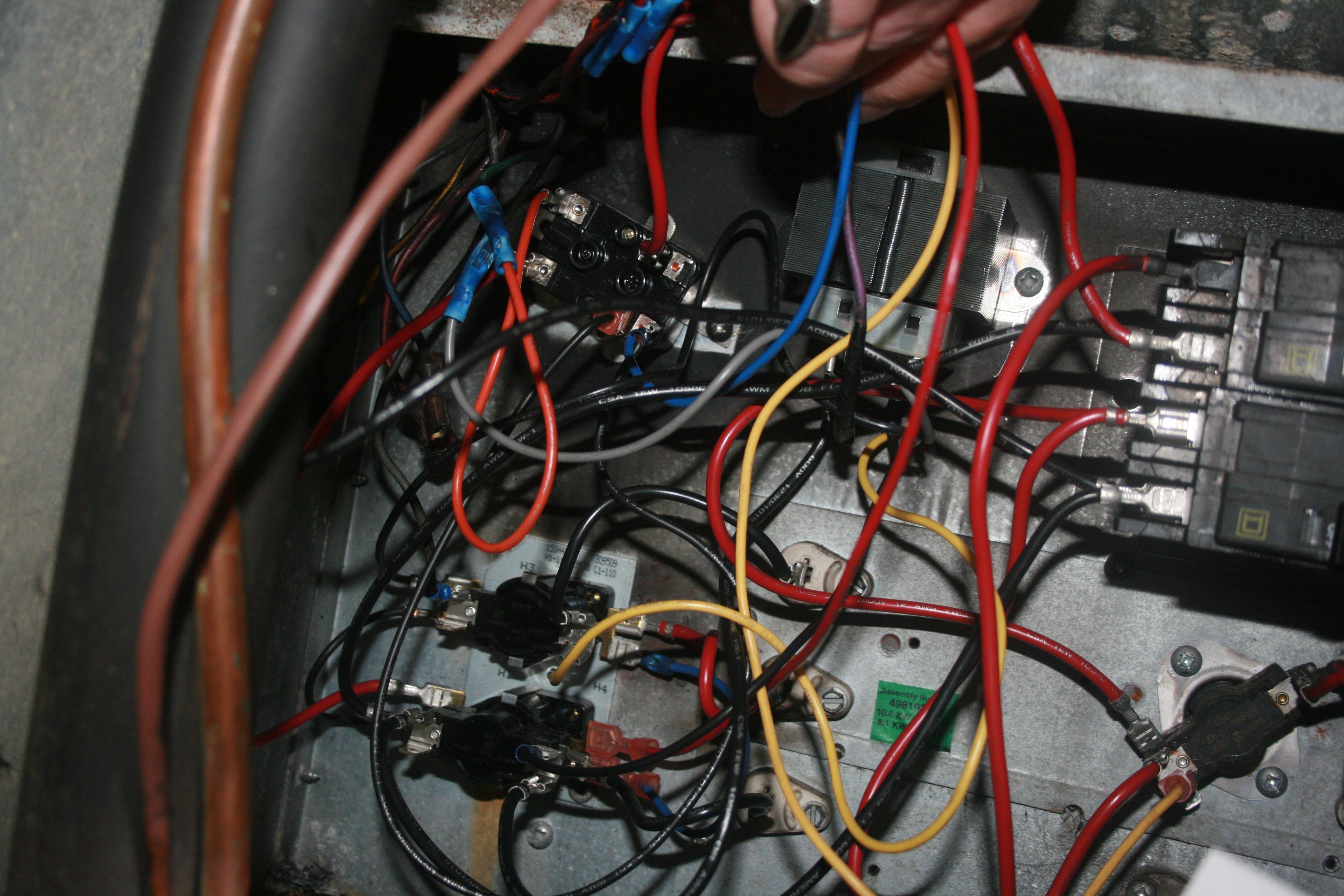 Nordyne E2Eb-017Ha Wiring Diagram from f01.justanswer.com