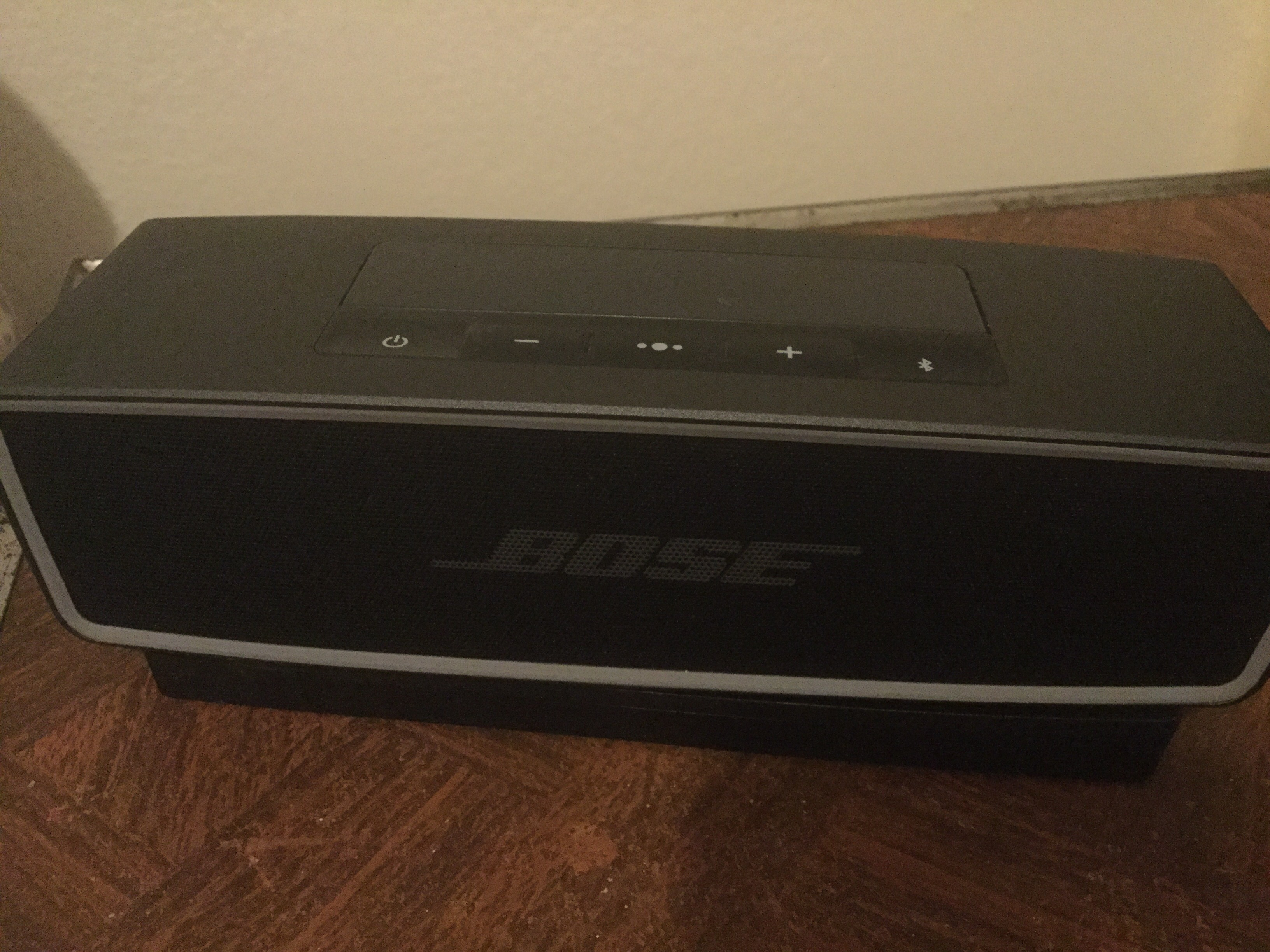 bose soundlink mini will not pair with iphone