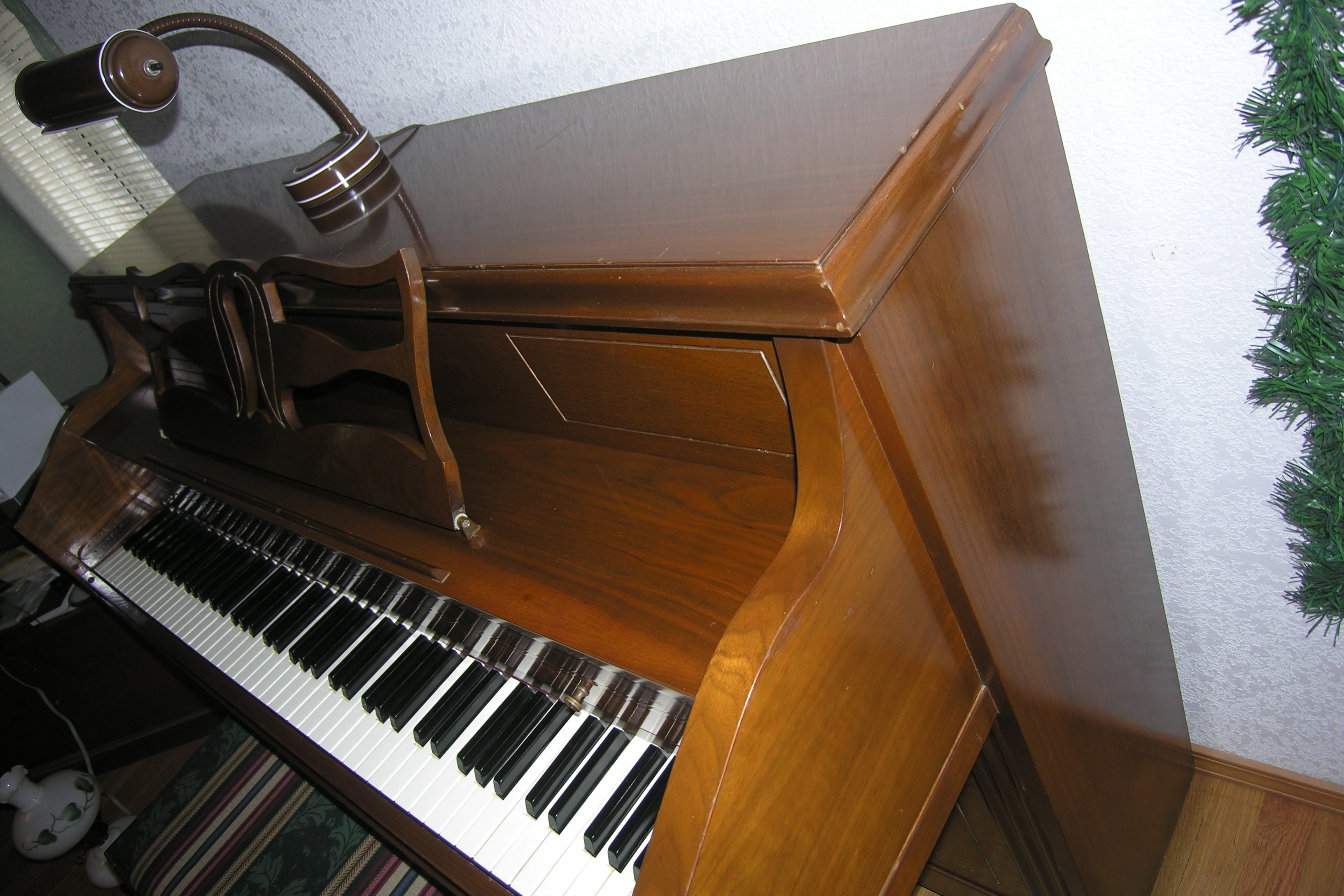upright piano made by american craftsman for and sons built in approx 1970 bought used from. Black Bedroom Furniture Sets. Home Design Ideas