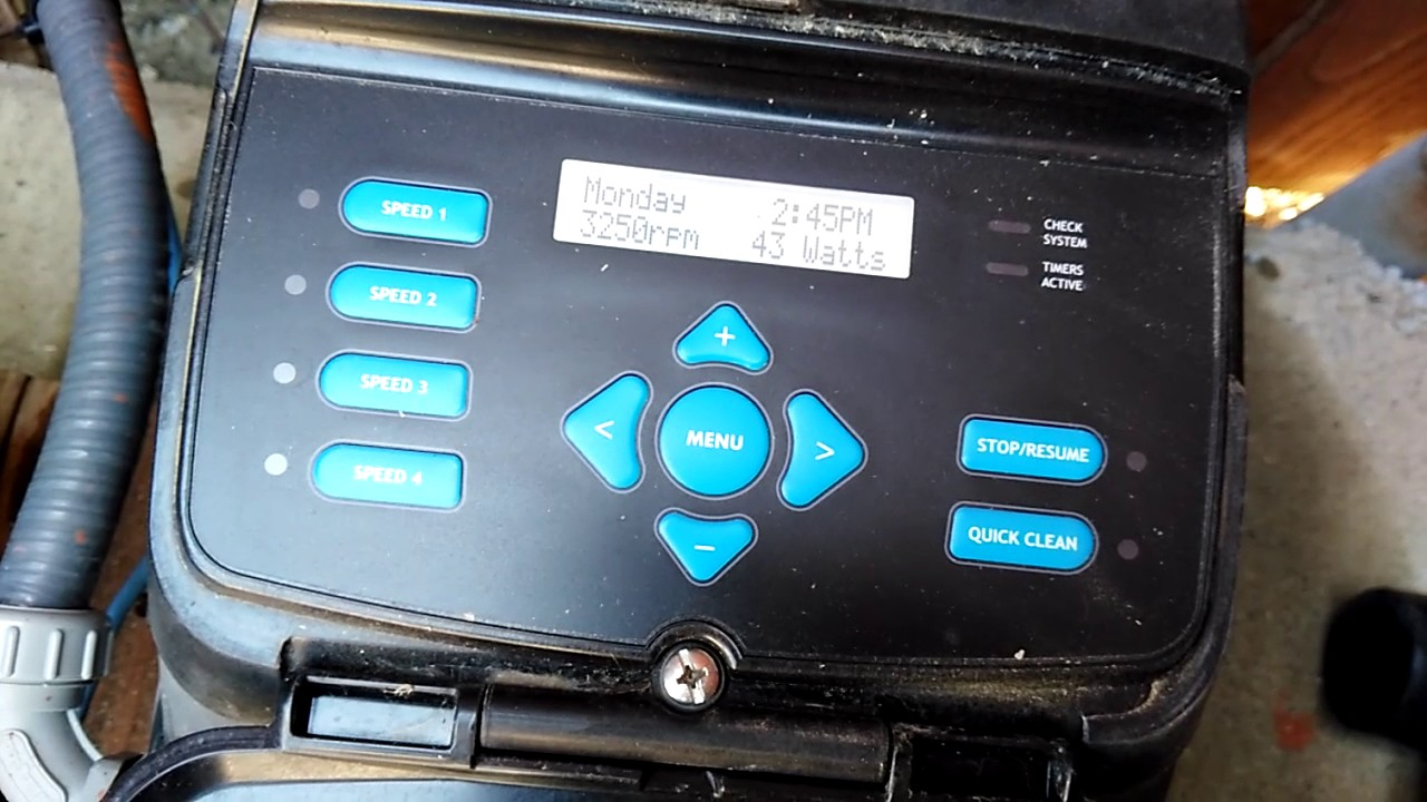 I have a hayward ecostar variable pool pump. When i turn it on it ...
