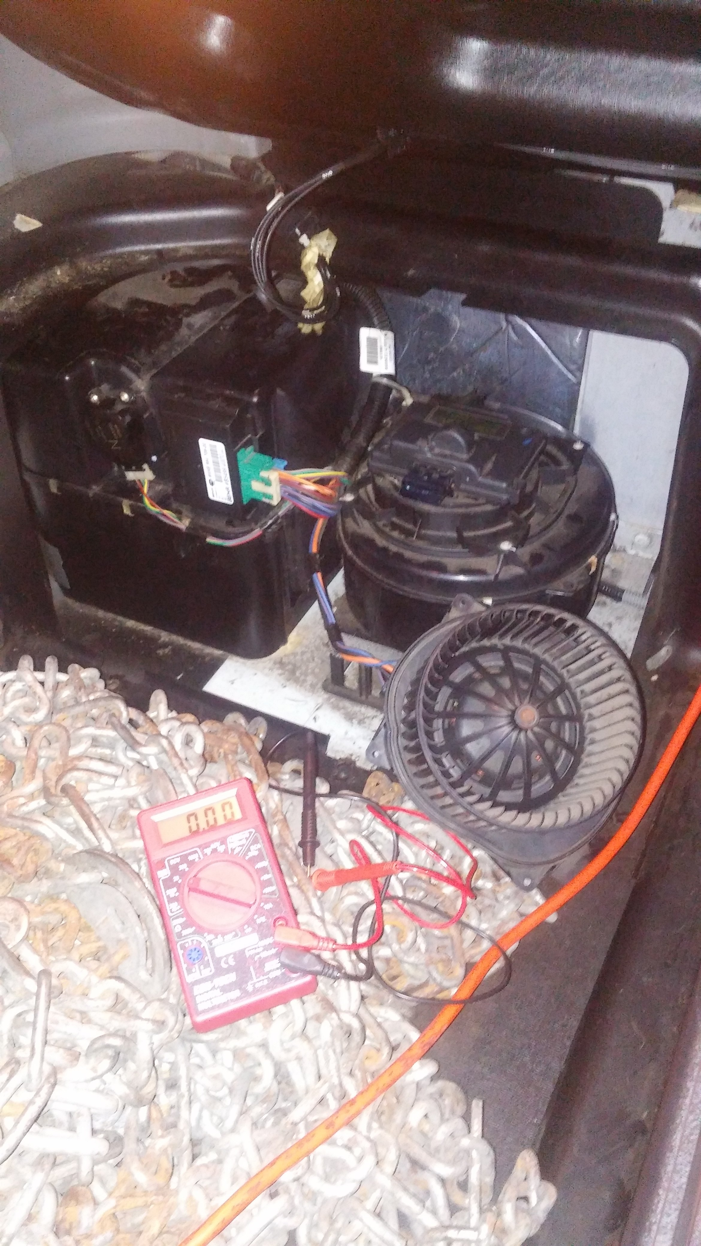 I need help with mi freightliner, My blower is not working, My